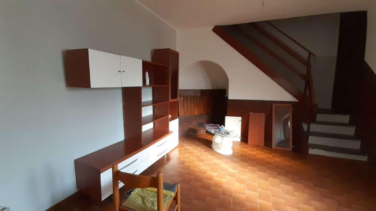 Appartamento in vendita a Vizzola Ticino, 3 locali, prezzo € 75.000 | CambioCasa.it