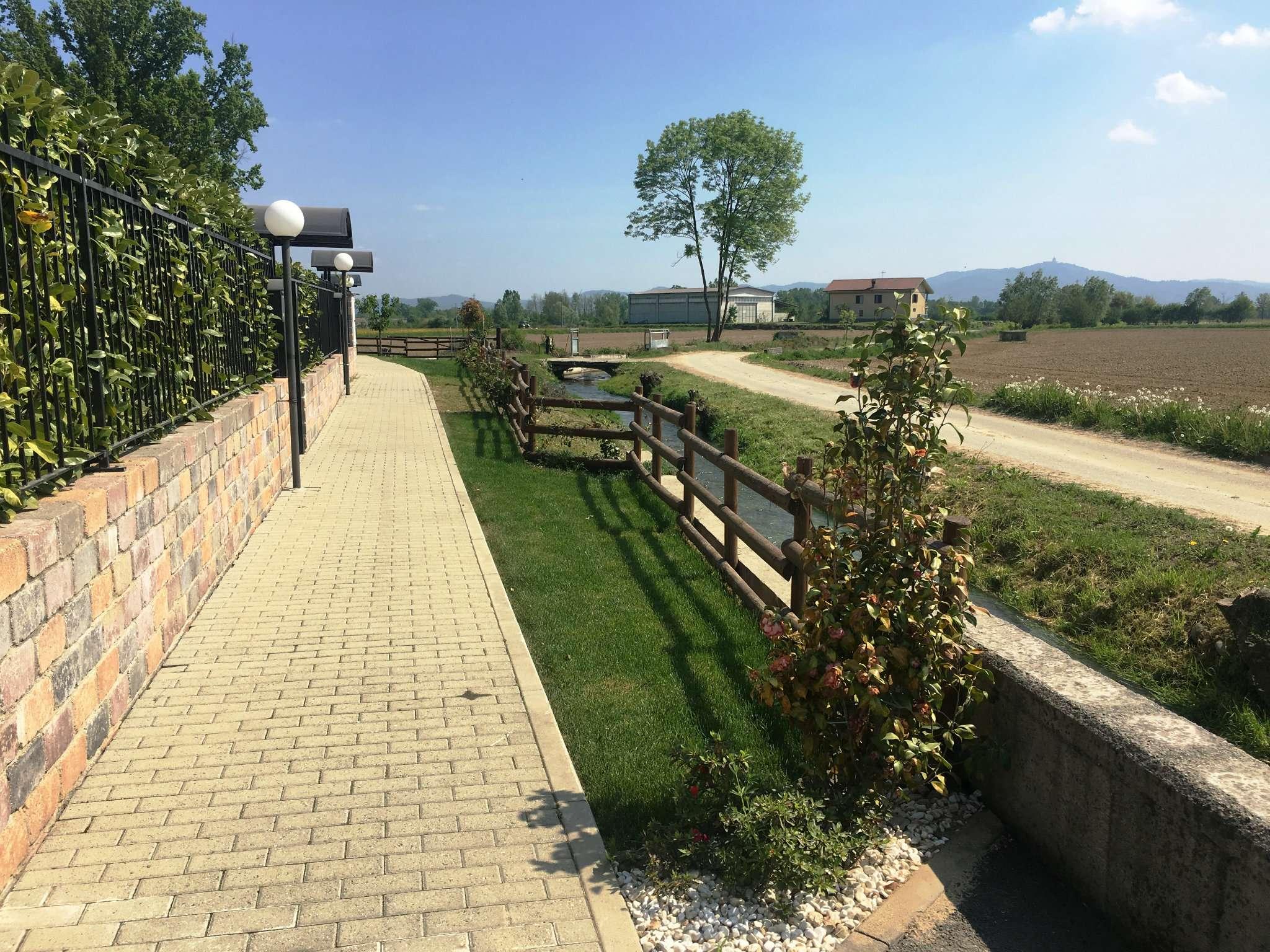 Villa Bifamiliare in vendita a Leini, 9999 locali, prezzo € 268.000 | CambioCasa.it