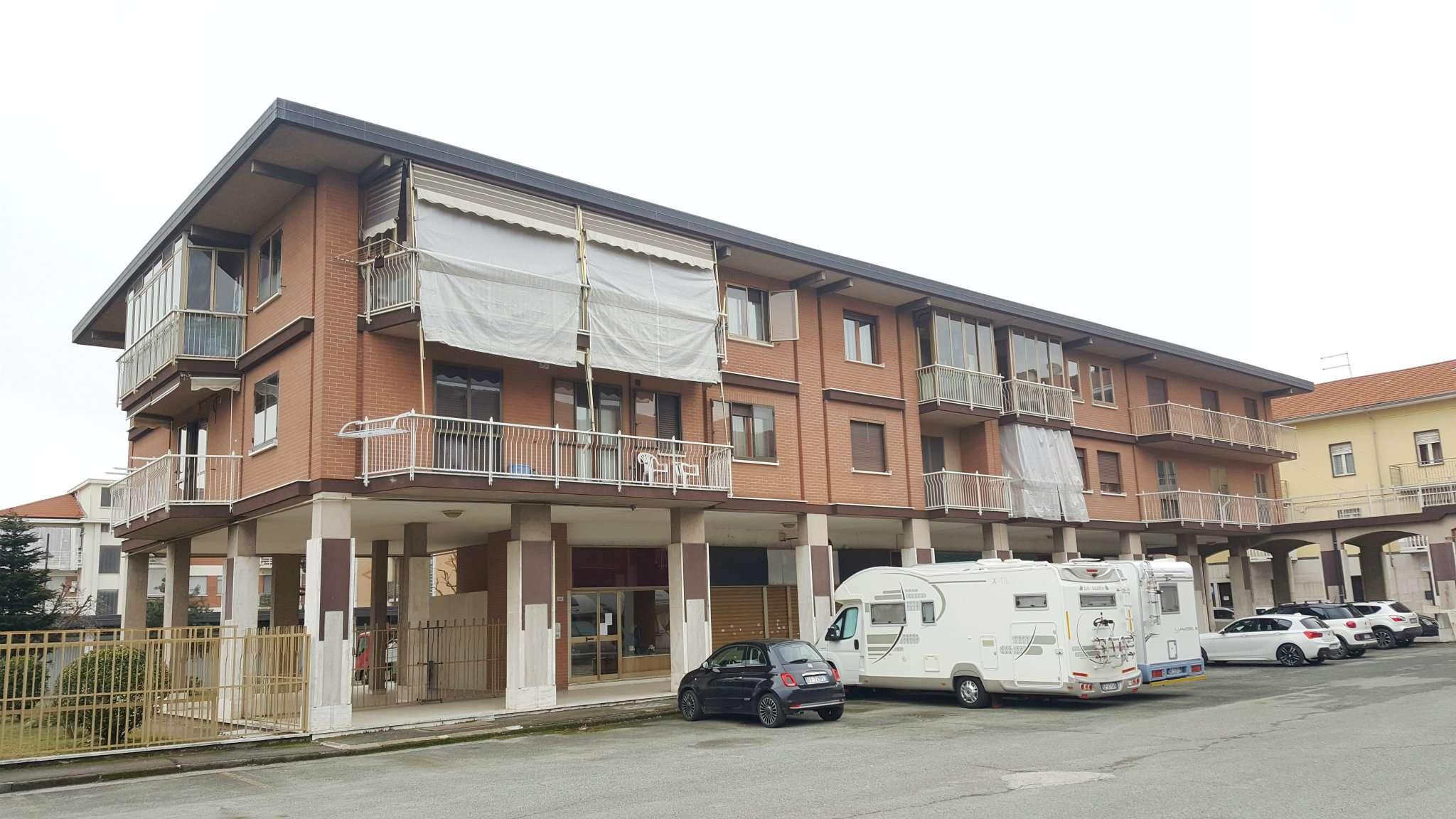 Appartamento in vendita a Leini, 4 locali, prezzo € 165.000   CambioCasa.it