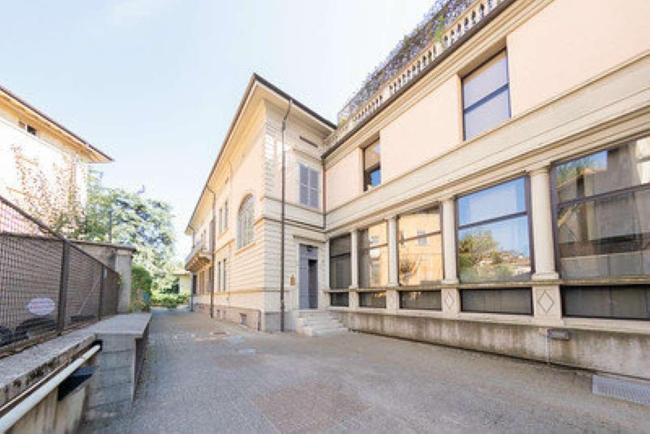 Ufficio / Studio in vendita a Varese, 5 locali, prezzo € 220.000 | CambioCasa.it