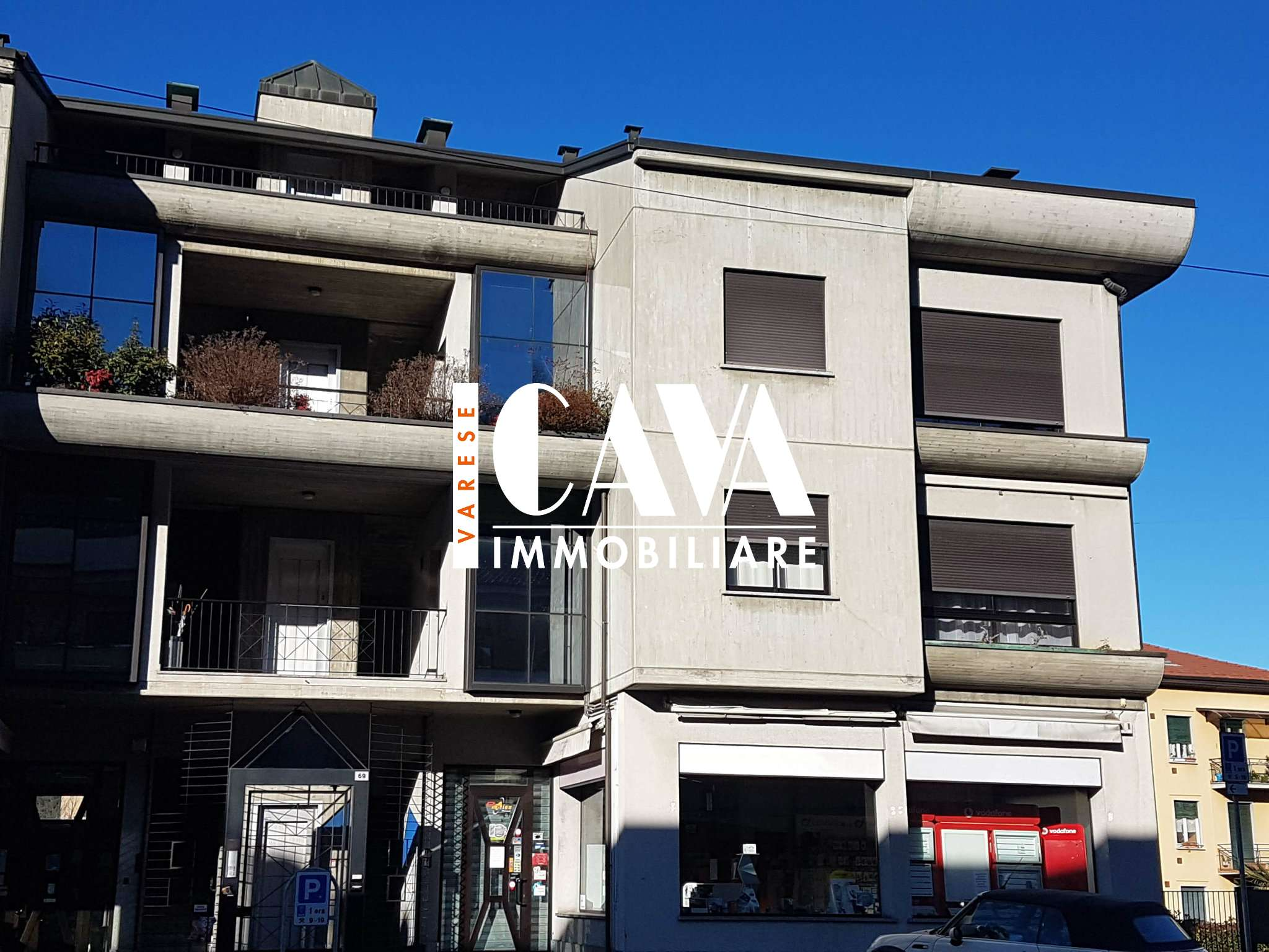 Appartamento in vendita a Azzate, 3 locali, prezzo € 180.000 | CambioCasa.it