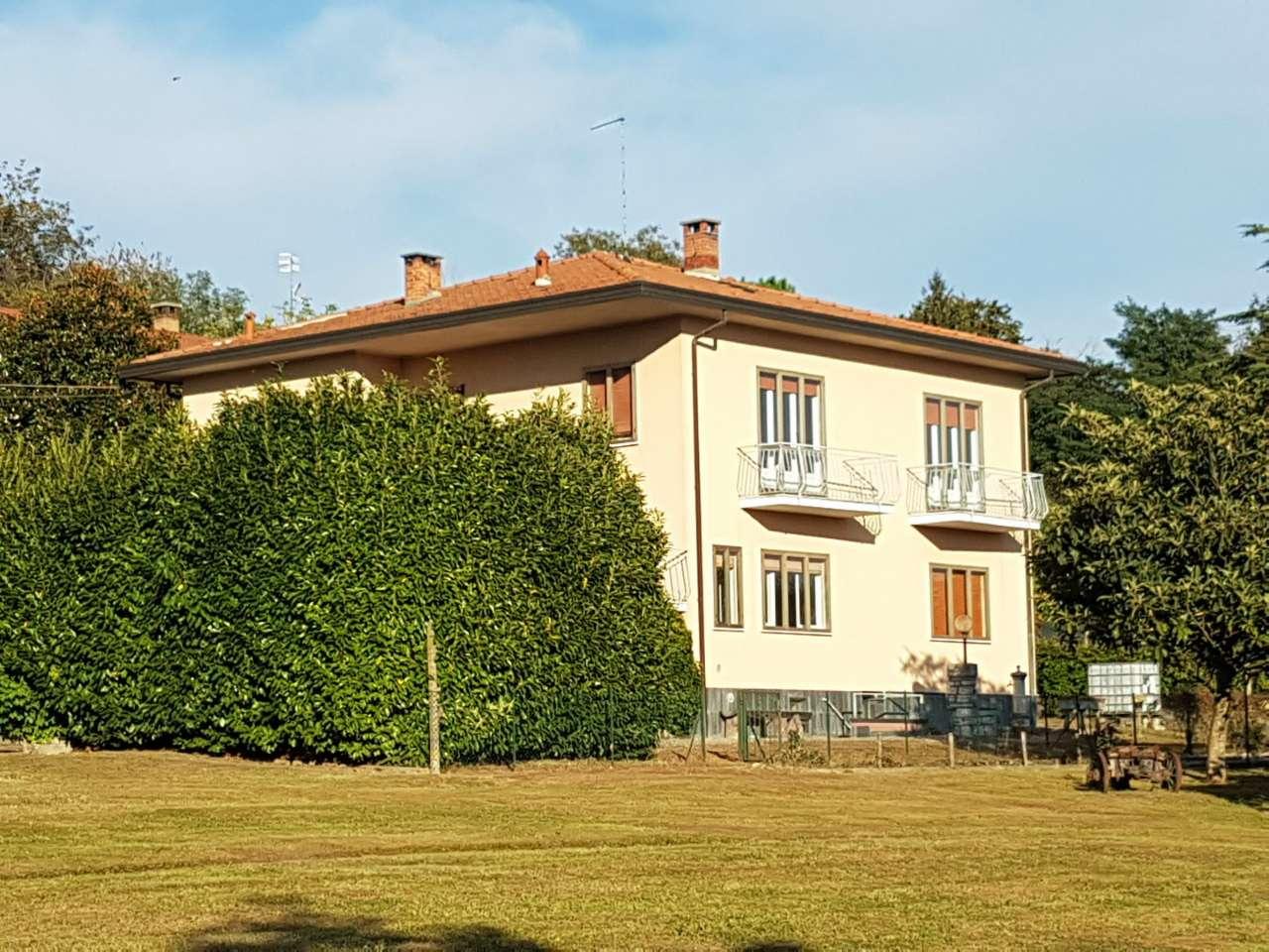 Villa Bifamiliare in Vendita a Barasso