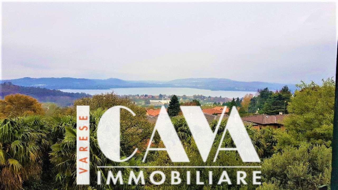 Appartamento in vendita a Barasso, 4 locali, prezzo € 250.000 | CambioCasa.it