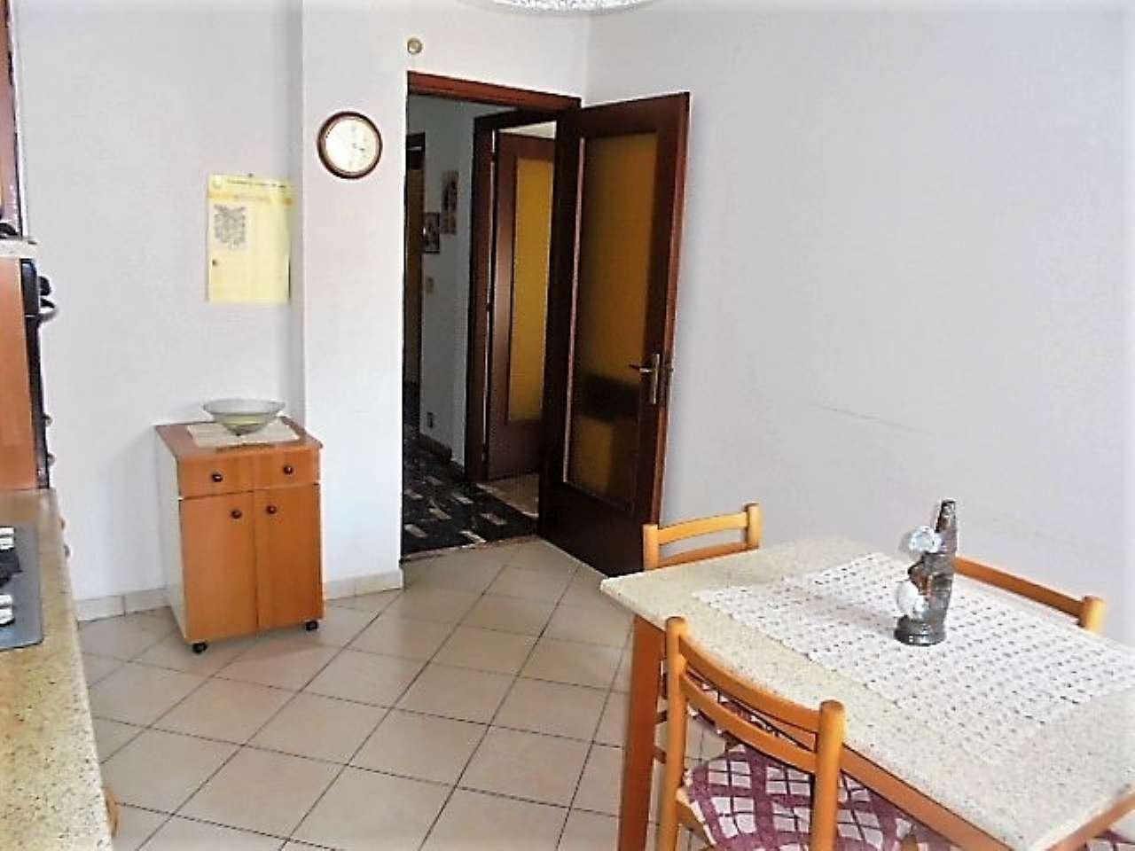 Appartamento in vendita a Santena, 3 locali, prezzo € 100.000 | CambioCasa.it