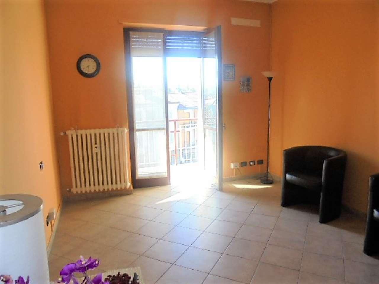 Appartamento in vendita a Santena, 3 locali, prezzo € 82.000 | CambioCasa.it