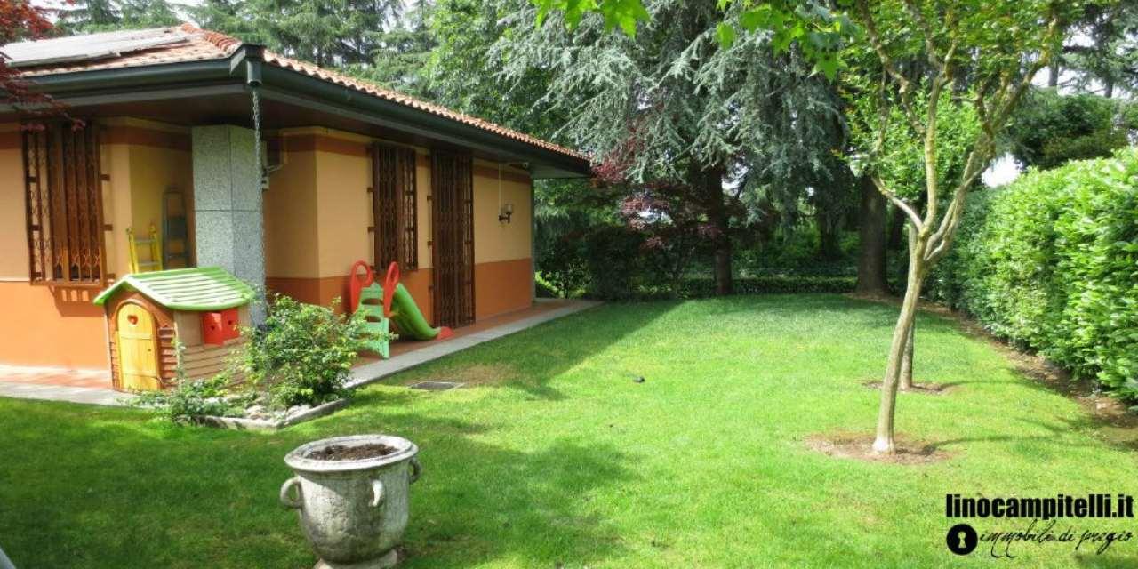 Villa in vendita a Cernusco sul Naviglio, 7 locali, prezzo € 880.000   PortaleAgenzieImmobiliari.it