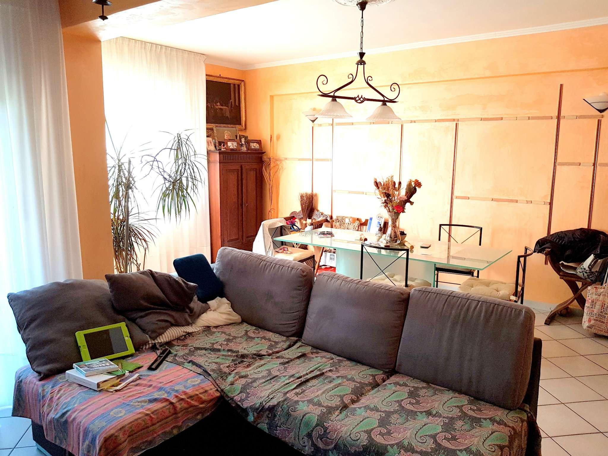 Appartamento in vendita a Roma, 5 locali, zona Zona: 22 . Eur - Torrino - Spinaceto, prezzo € 249.000   CambioCasa.it