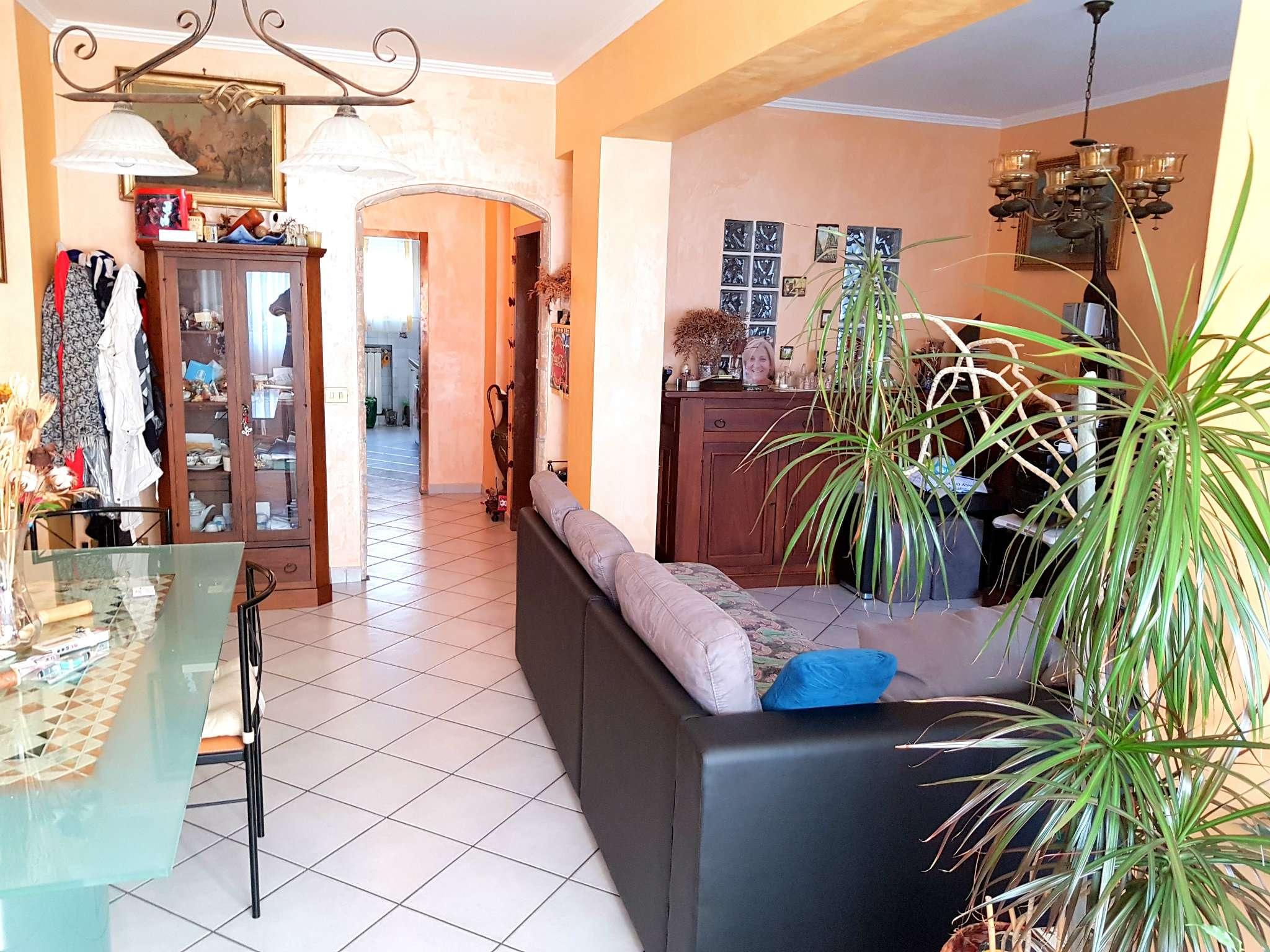 Appartamento in vendita a Roma, 5 locali, zona Zona: 22 . Eur - Torrino - Spinaceto, prezzo € 249.000 | CambioCasa.it