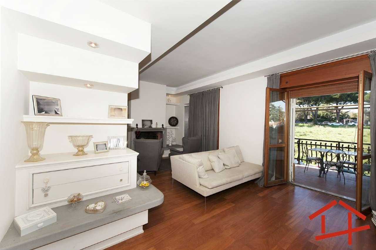 Appartamento in vendita a Roma, 4 locali, zona Zona: 22 . Eur - Torrino - Spinaceto, prezzo € 390.000 | CambioCasa.it