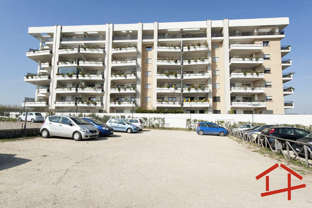 Appartamento in vendita a Roma, 3 locali, zona Zona: 18 . Ardeatino - Grotta Perfetta - Fonte Meravigliosa, prezzo € 310.000   CambioCasa.it