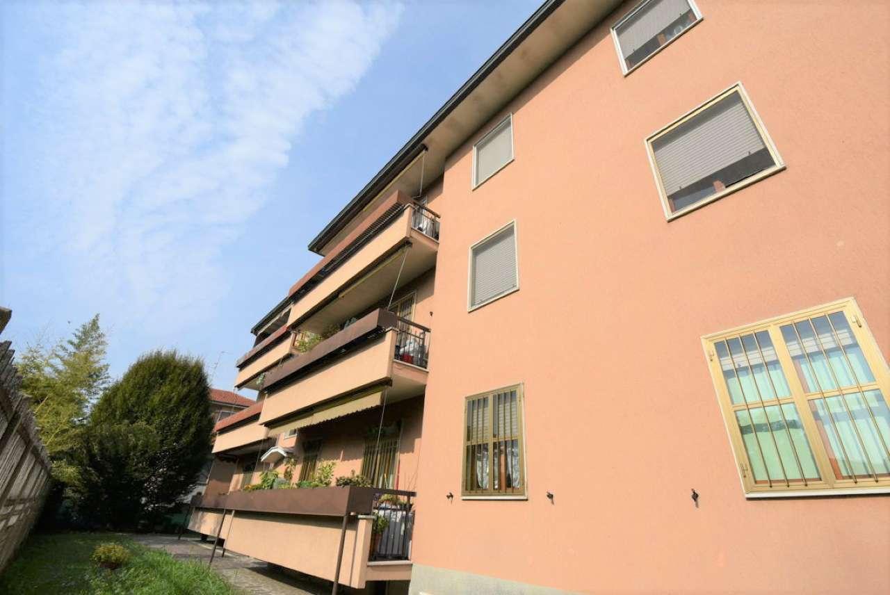 Appartamento in buone condizioni in vendita Rif. 8272184