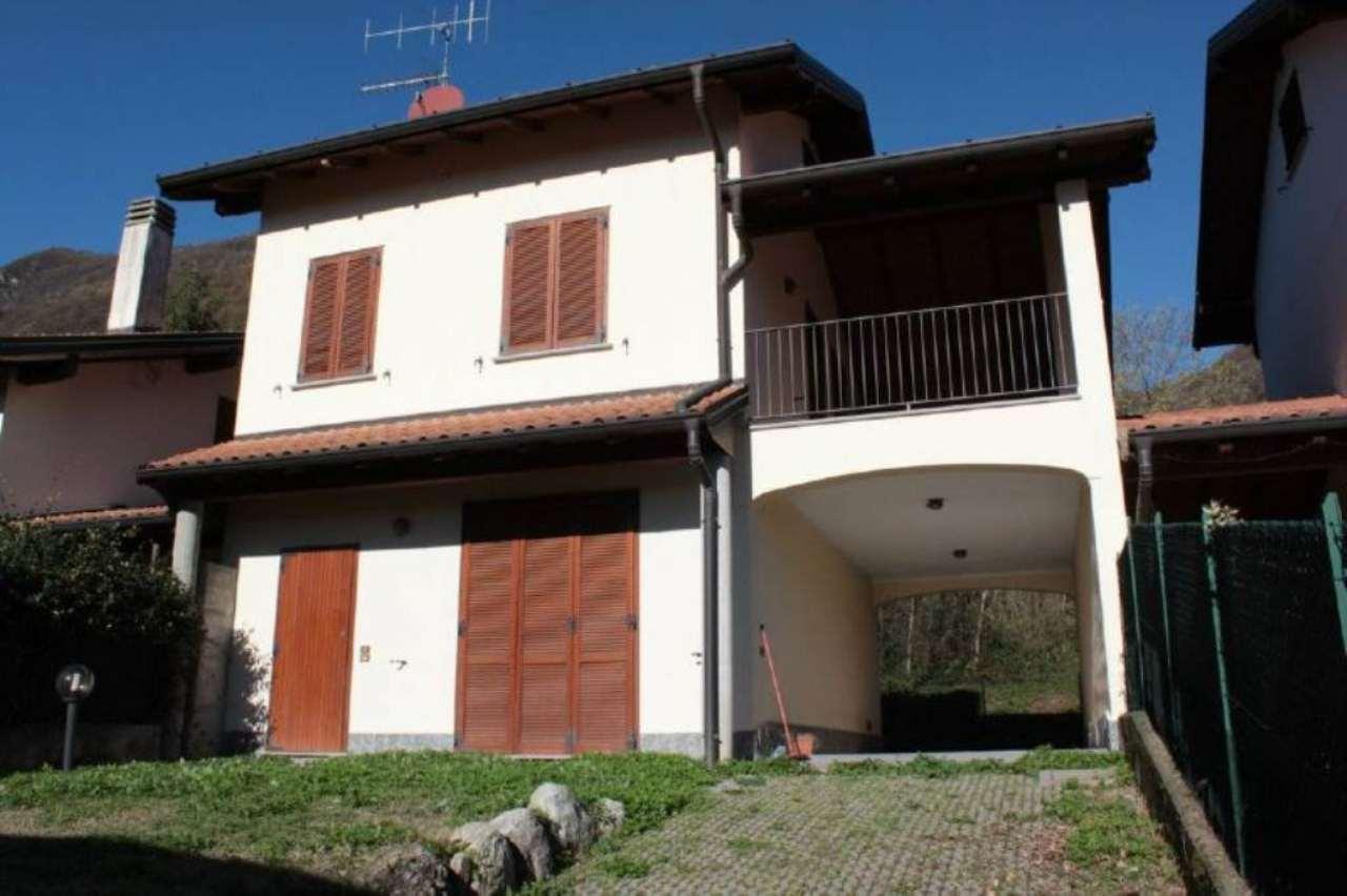 Villa a Schiera in affitto a Cittiglio, 5 locali, prezzo € 750   CambioCasa.it