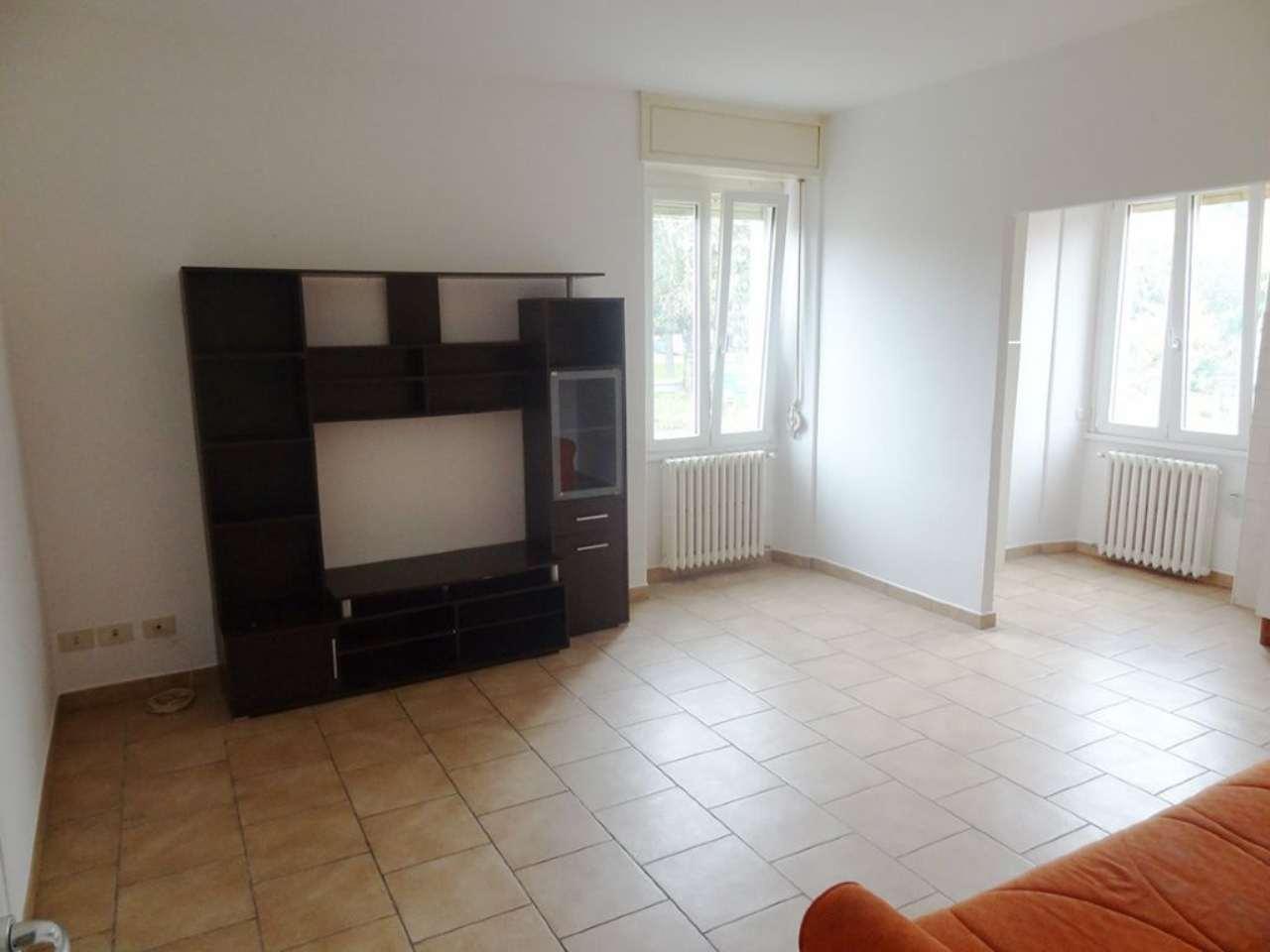 Appartamento in affitto a Monvalle, 2 locali, prezzo € 400 | CambioCasa.it
