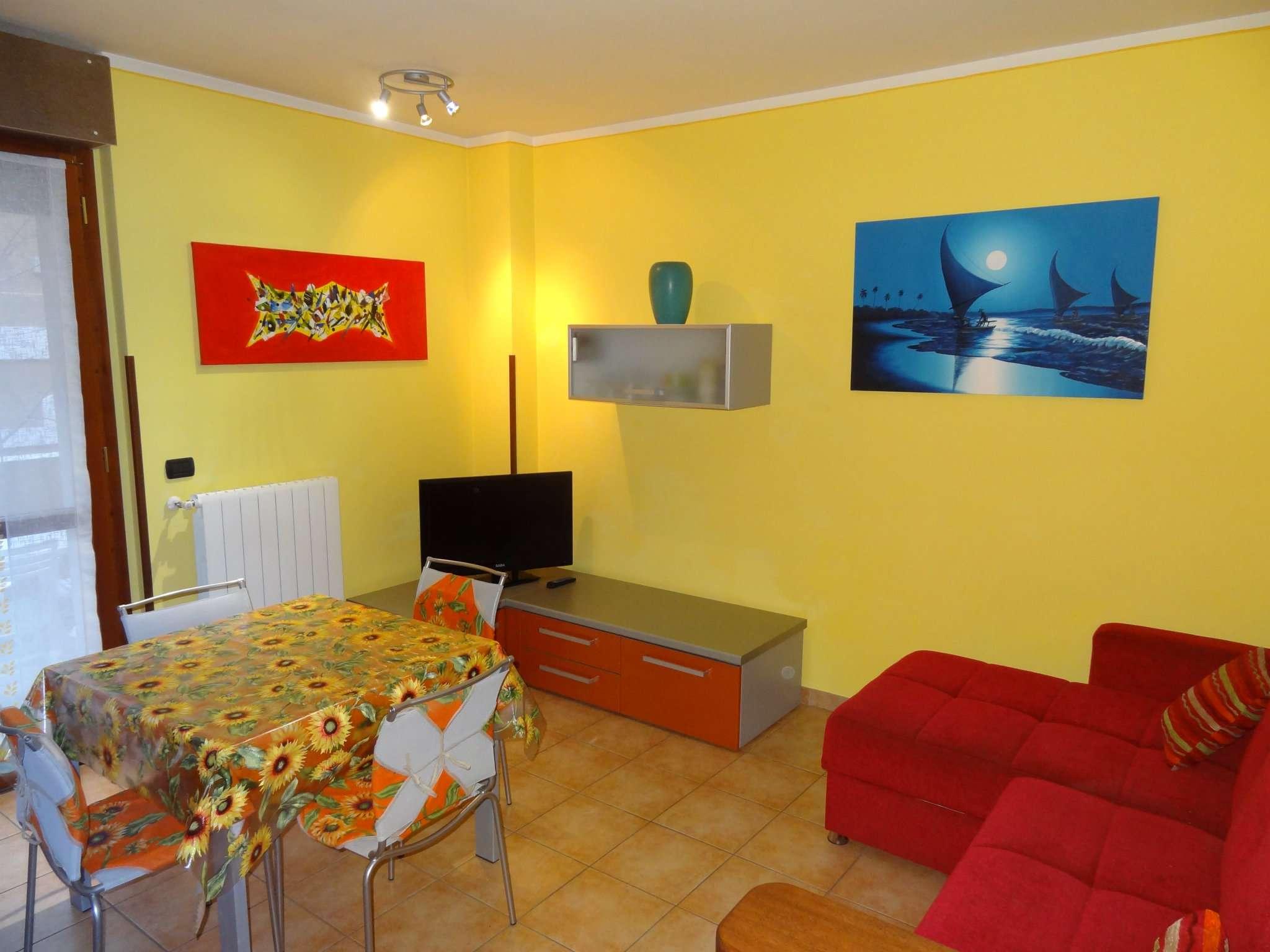 Appartamento in affitto a Gemonio, 2 locali, prezzo € 500 | CambioCasa.it