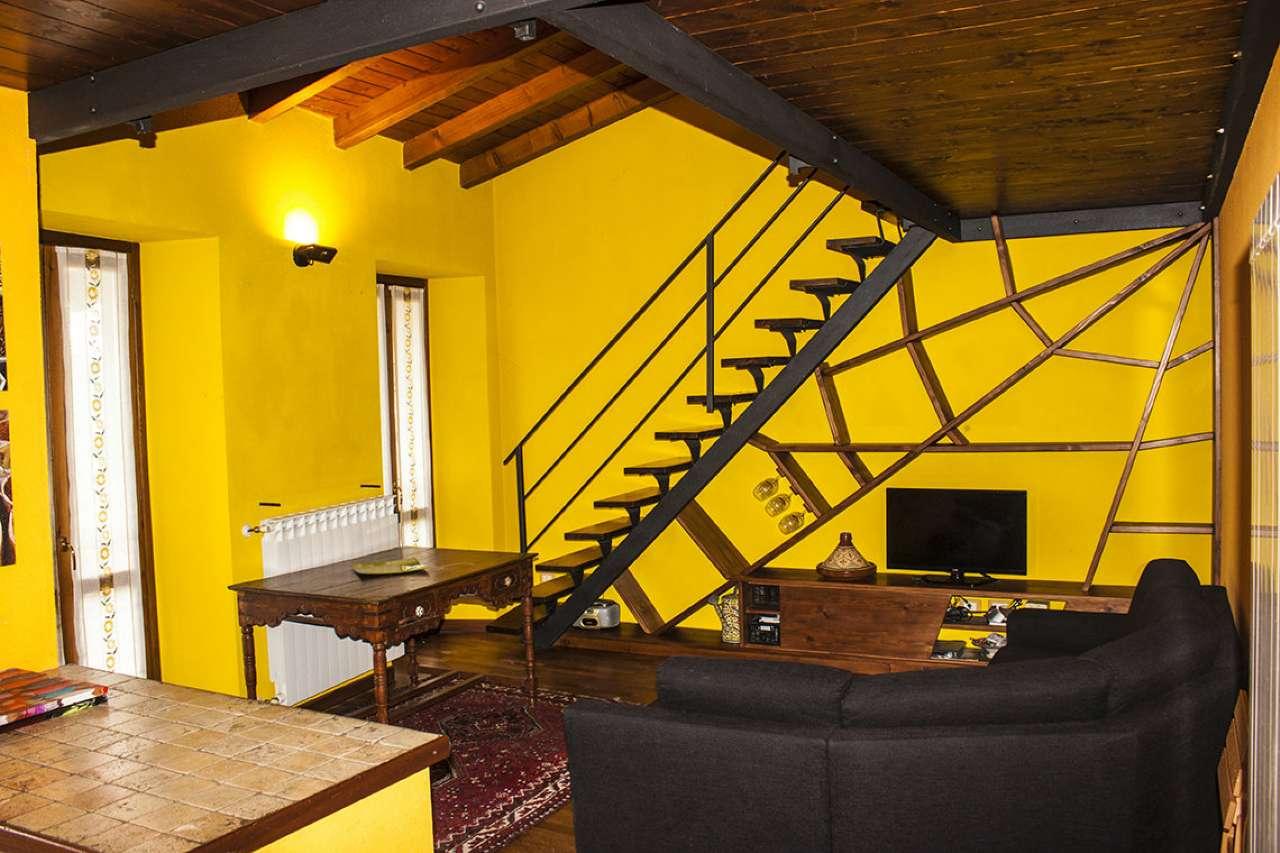 Appartamento in affitto a Gemonio, 2 locali, prezzo € 480 | CambioCasa.it