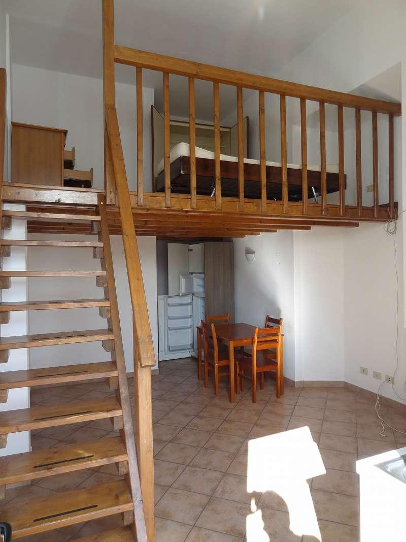 Appartamento in affitto a Monvalle, 1 locali, prezzo € 380 | CambioCasa.it