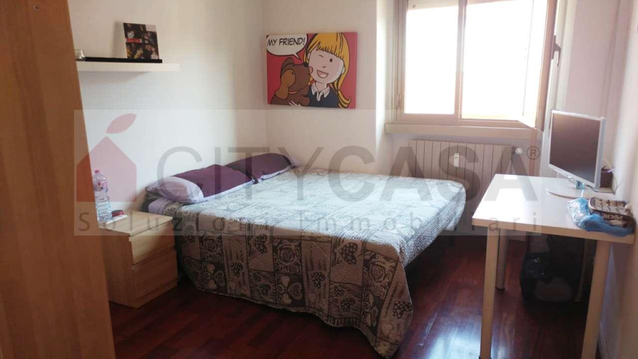Stanza / posto letto in ottime condizioni arredato in affitto Rif. 8818293