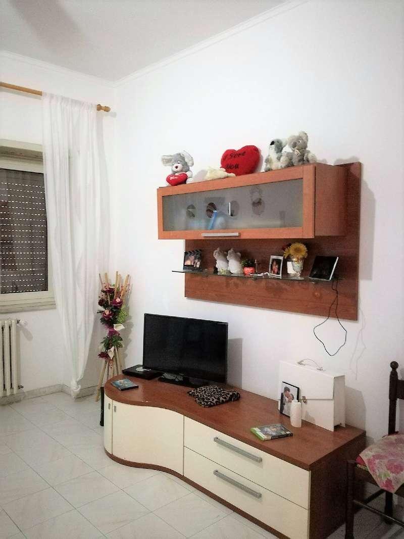 Appartamento in vendita a Roma, 4 locali, zona Zona: 13 . Tuscolano, Appio Claudio, Villa Lais, Quadraro, prezzo € 235.000 | CambioCasa.it