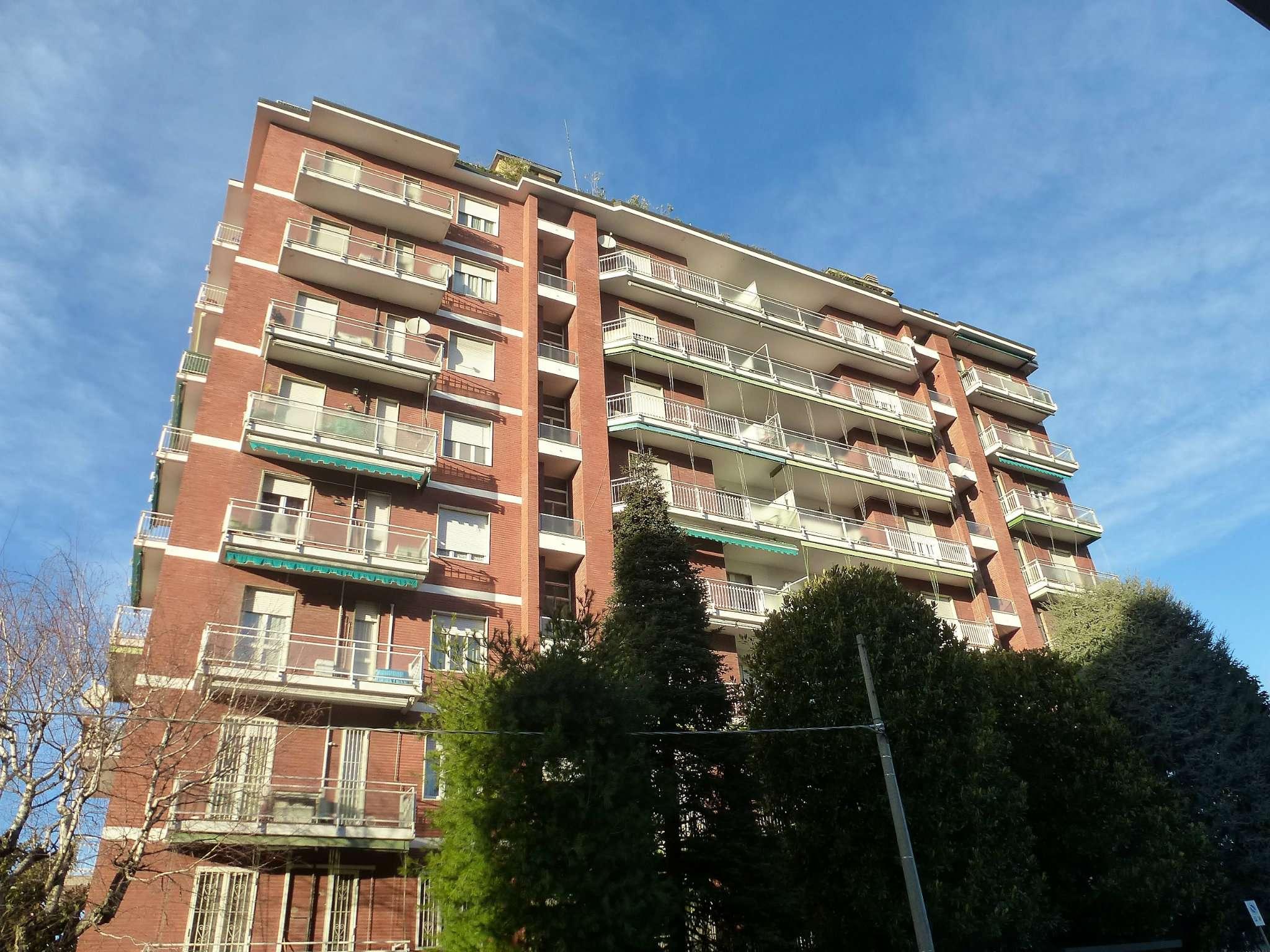 Appartamento in ottime condizioni in vendita Rif. 9307926
