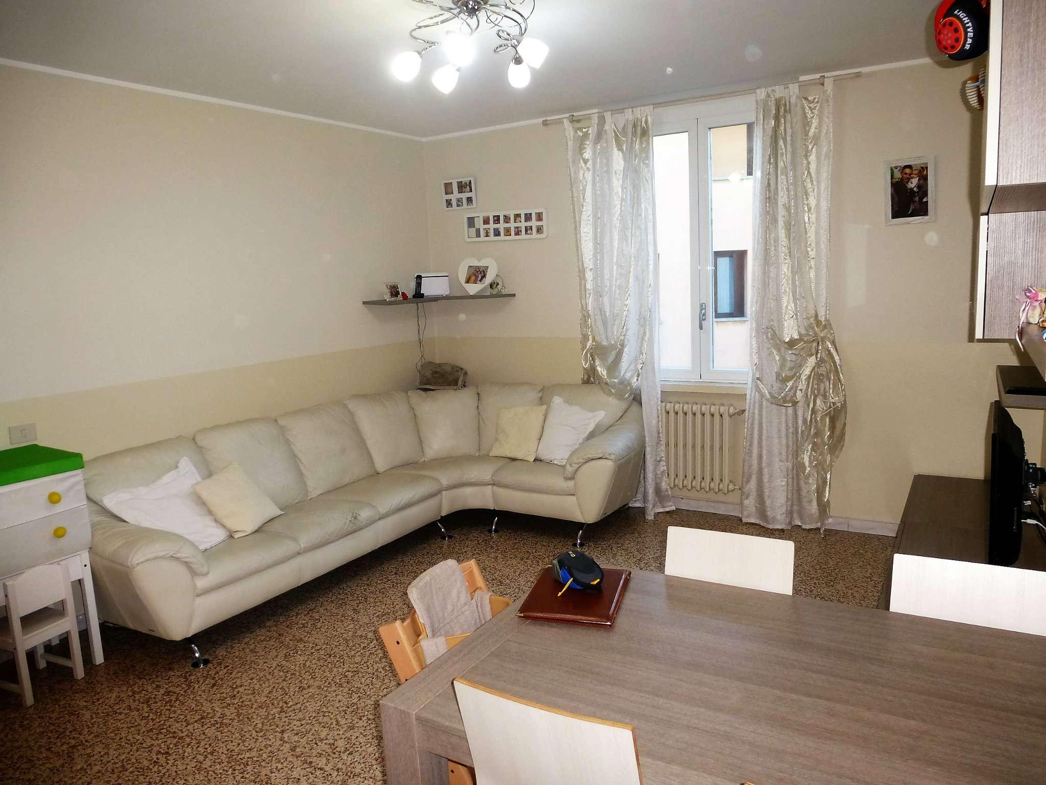 Appartamento in ottime condizioni in vendita Rif. 9336957