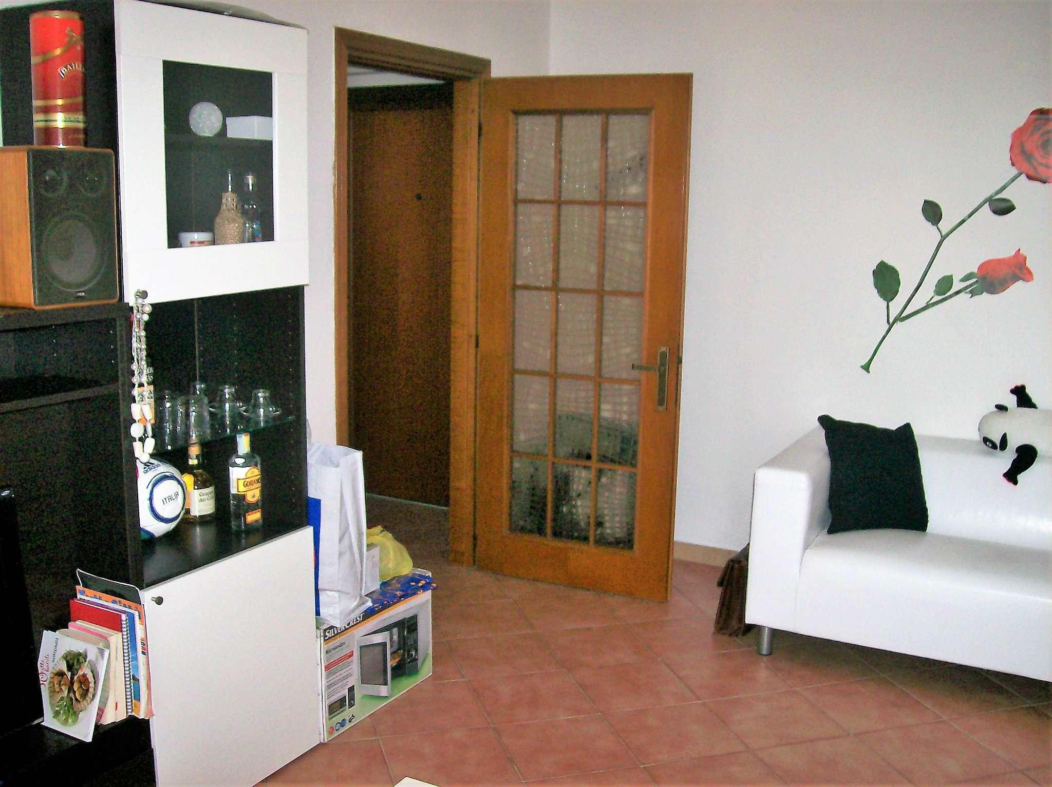 Appartamento in affitto a Bollate, 2 locali, prezzo € 675 | CambioCasa.it
