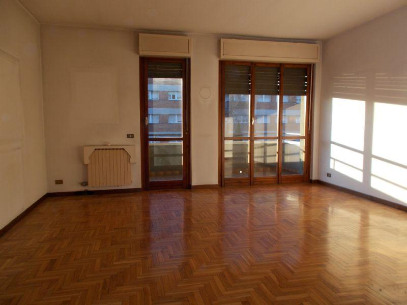 Appartamento in vendita a Cavenago di Brianza, 3 locali, prezzo € 150.000 | CambioCasa.it