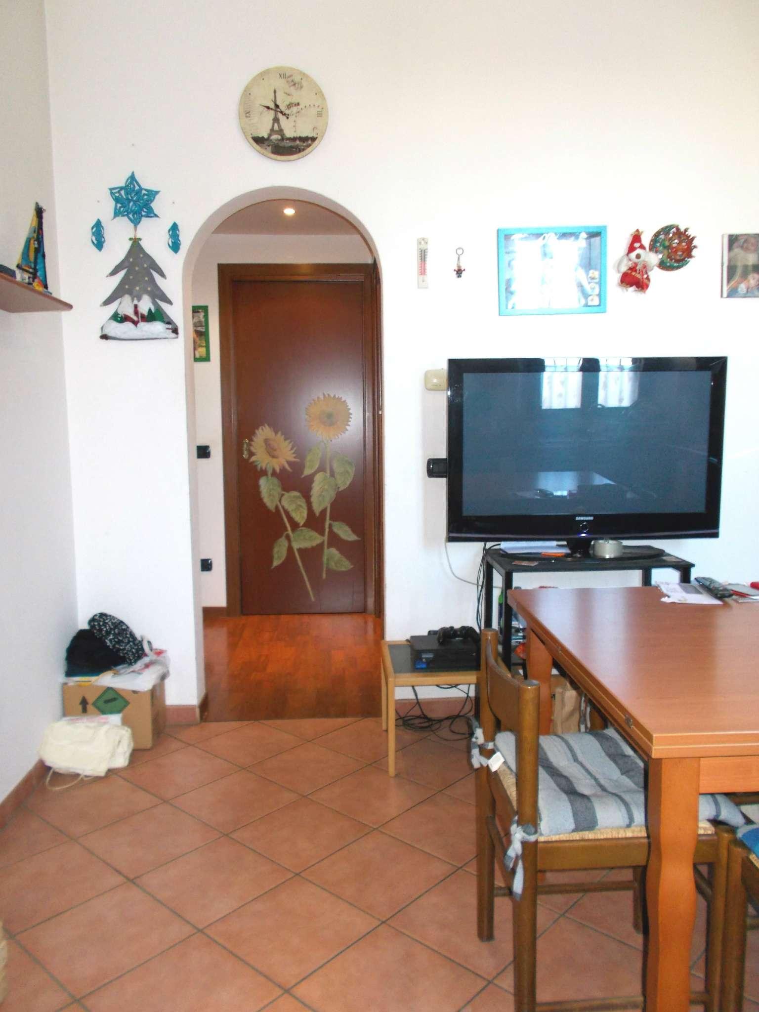 Appartamento in vendita a Cavenago di Brianza, 3 locali, prezzo € 75.000 | CambioCasa.it