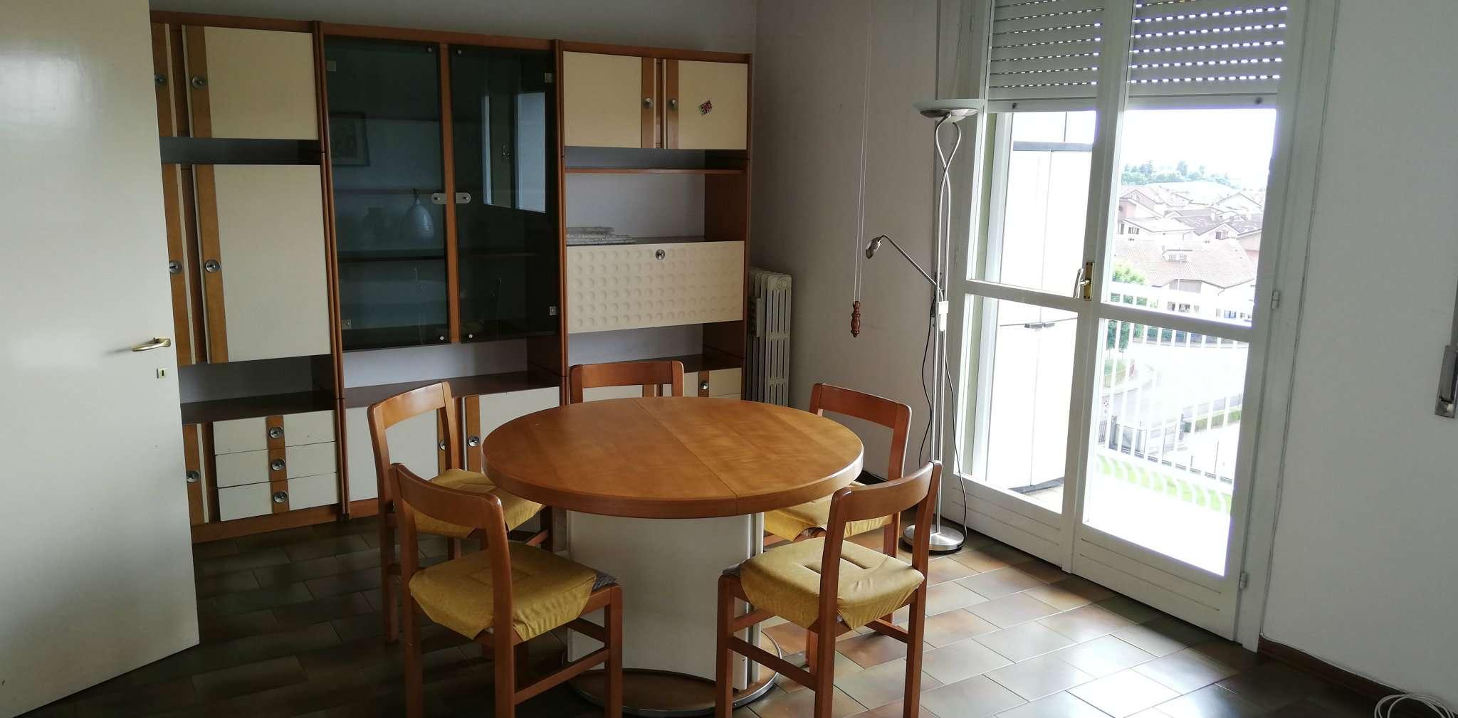 Appartamento in vendita a Cavenago di Brianza, 3 locali, prezzo € 85.000 | CambioCasa.it