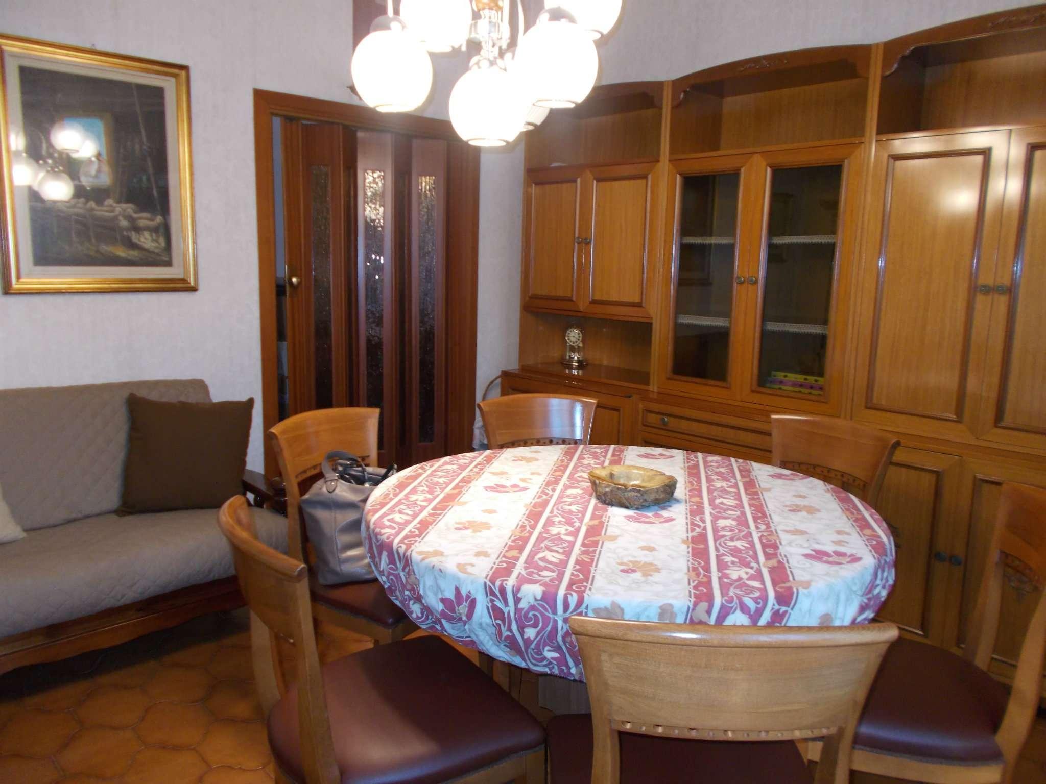 Appartamento in vendita a Cavenago di Brianza, 3 locali, prezzo € 70.000 | CambioCasa.it