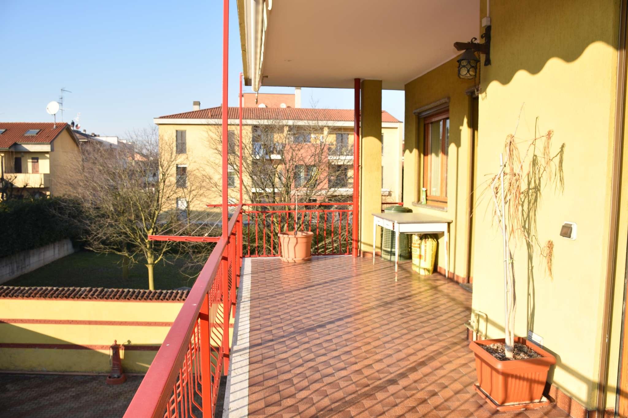 Appartamento in vendita a Cavenago di Brianza, 4 locali, prezzo € 240.000 | PortaleAgenzieImmobiliari.it