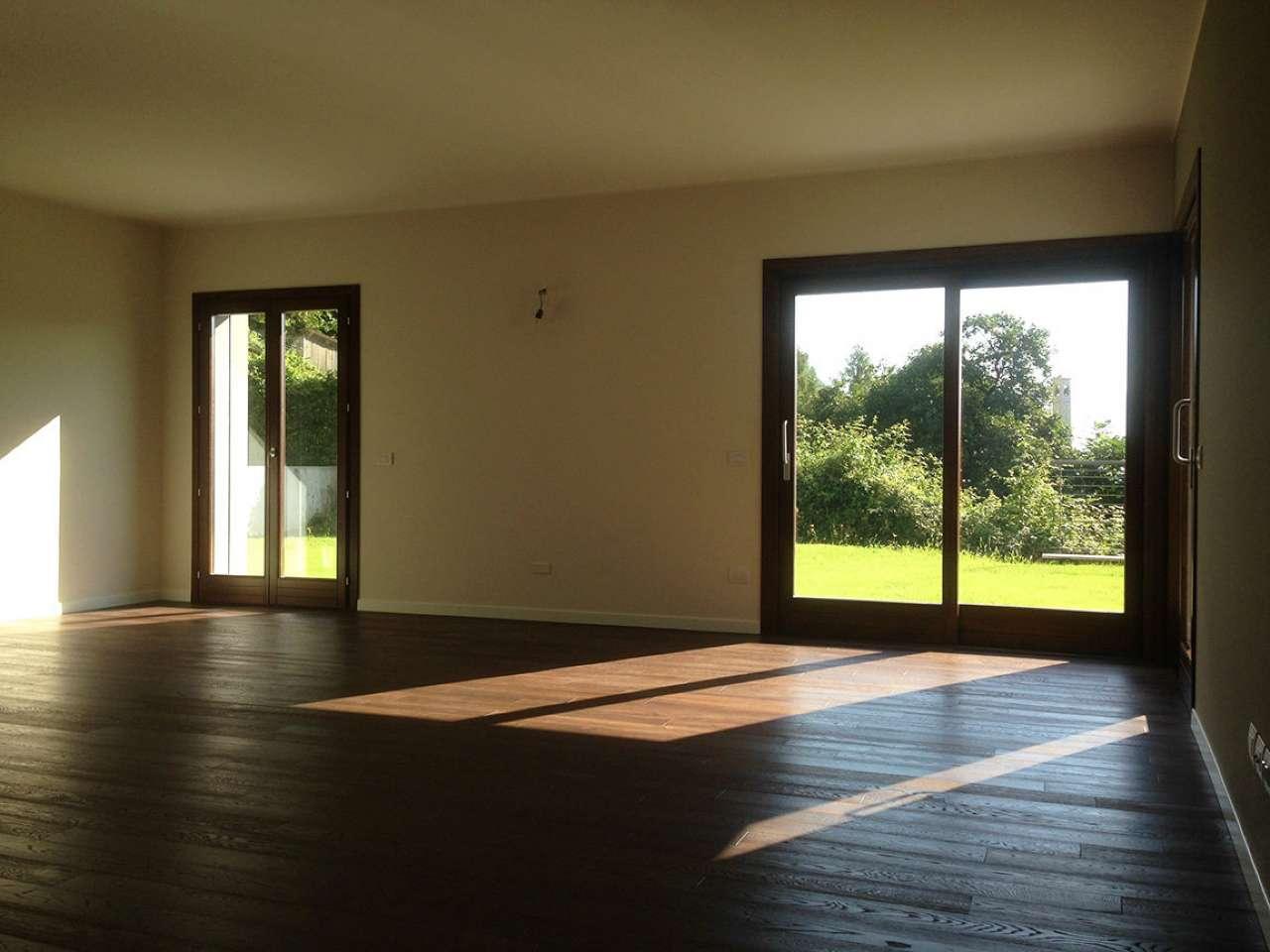 Villa in vendita a Argegno, 5 locali, prezzo € 590.000   PortaleAgenzieImmobiliari.it