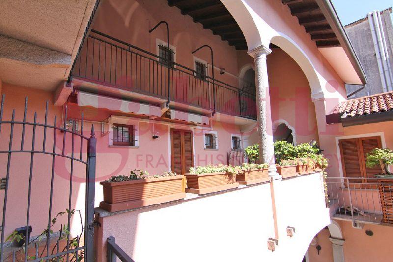 Appartamento in ottime condizioni arredato in affitto Rif. 8648377