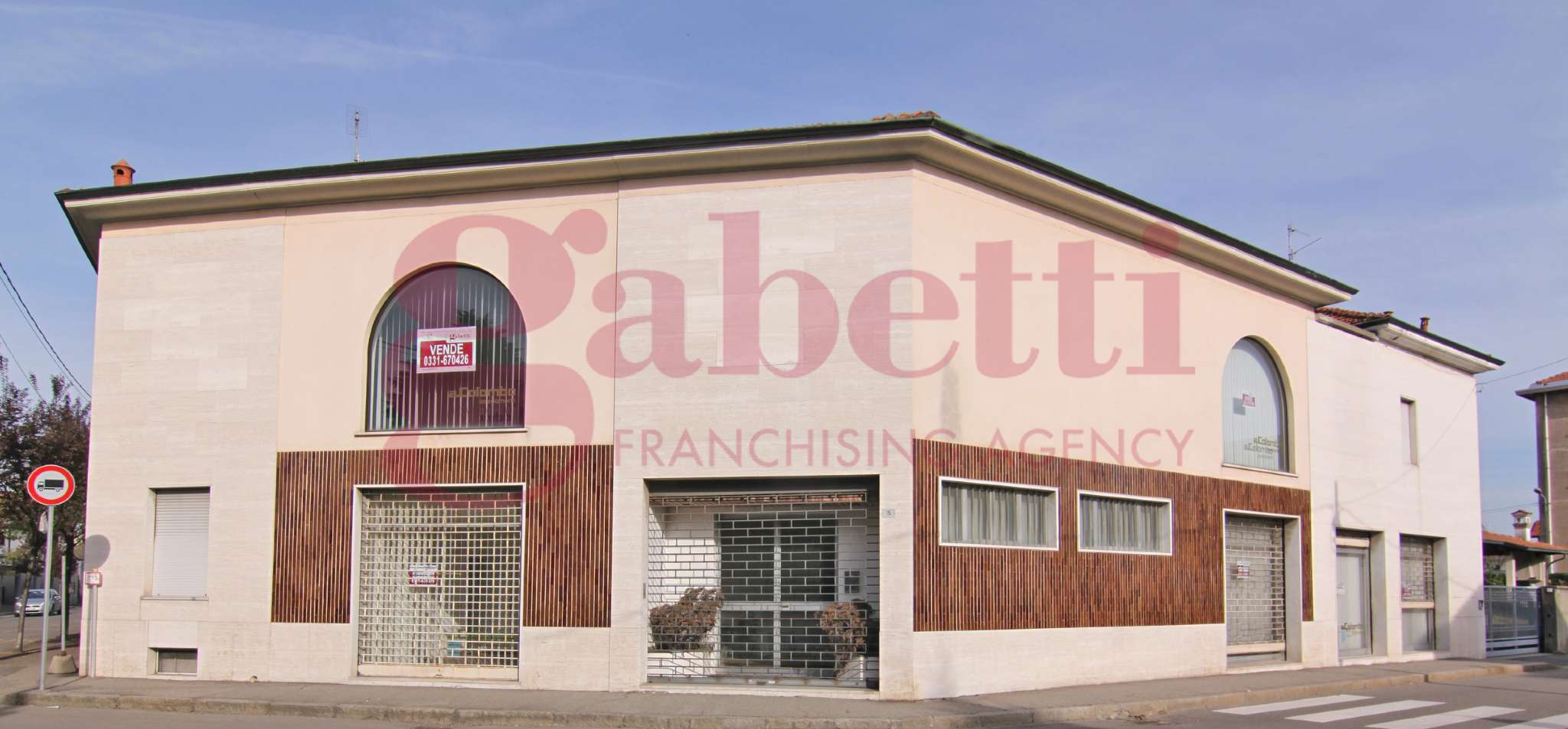 Immobile Commerciale in vendita a Busto Arsizio, 5 locali, prezzo € 700.000 | CambioCasa.it