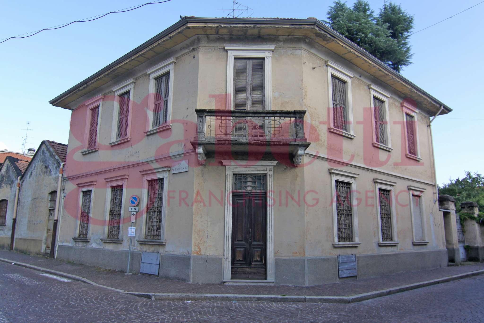 Villa in vendita a Turbigo, 5 locali, prezzo € 399.000 | CambioCasa.it