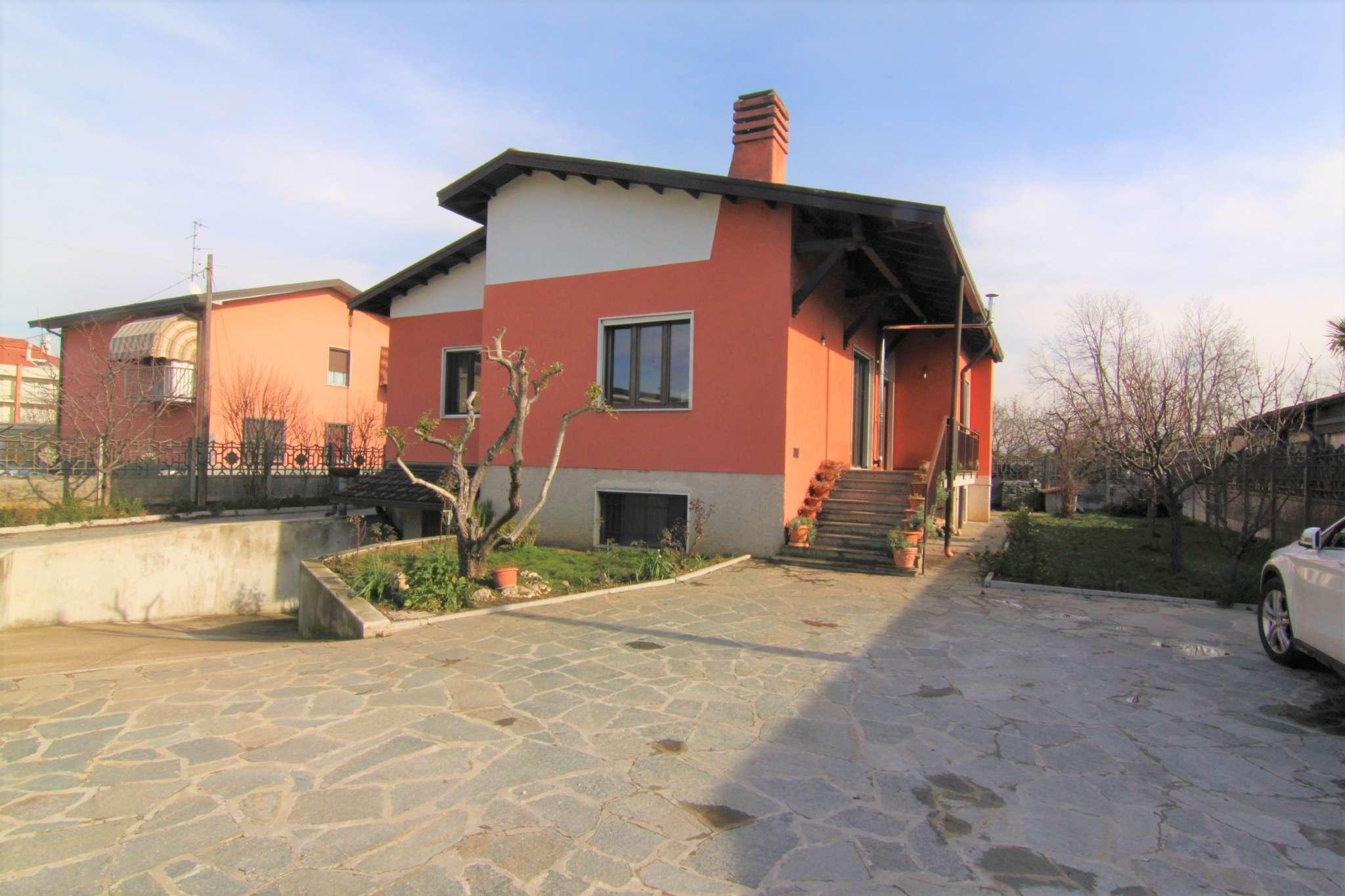 Villa in vendita a Cardano al Campo, 5 locali, prezzo € 390.000 | CambioCasa.it
