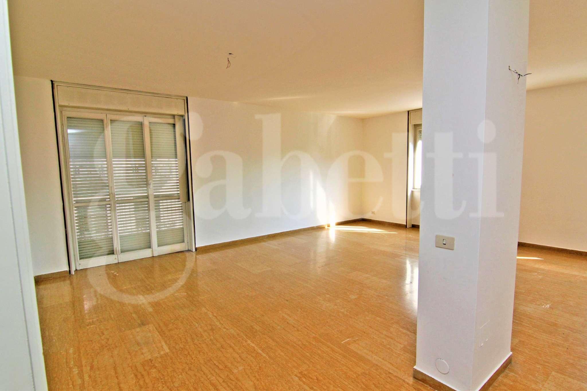 Appartamento in affitto a Busto Arsizio, 3 locali, prezzo € 700   CambioCasa.it