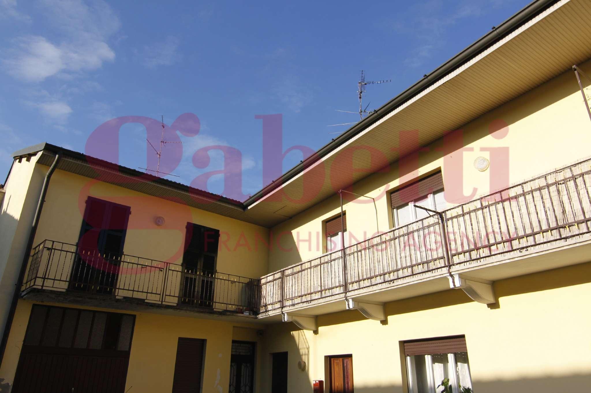 Appartamento in vendita a Samarate, 4 locali, prezzo € 99.000 | CambioCasa.it