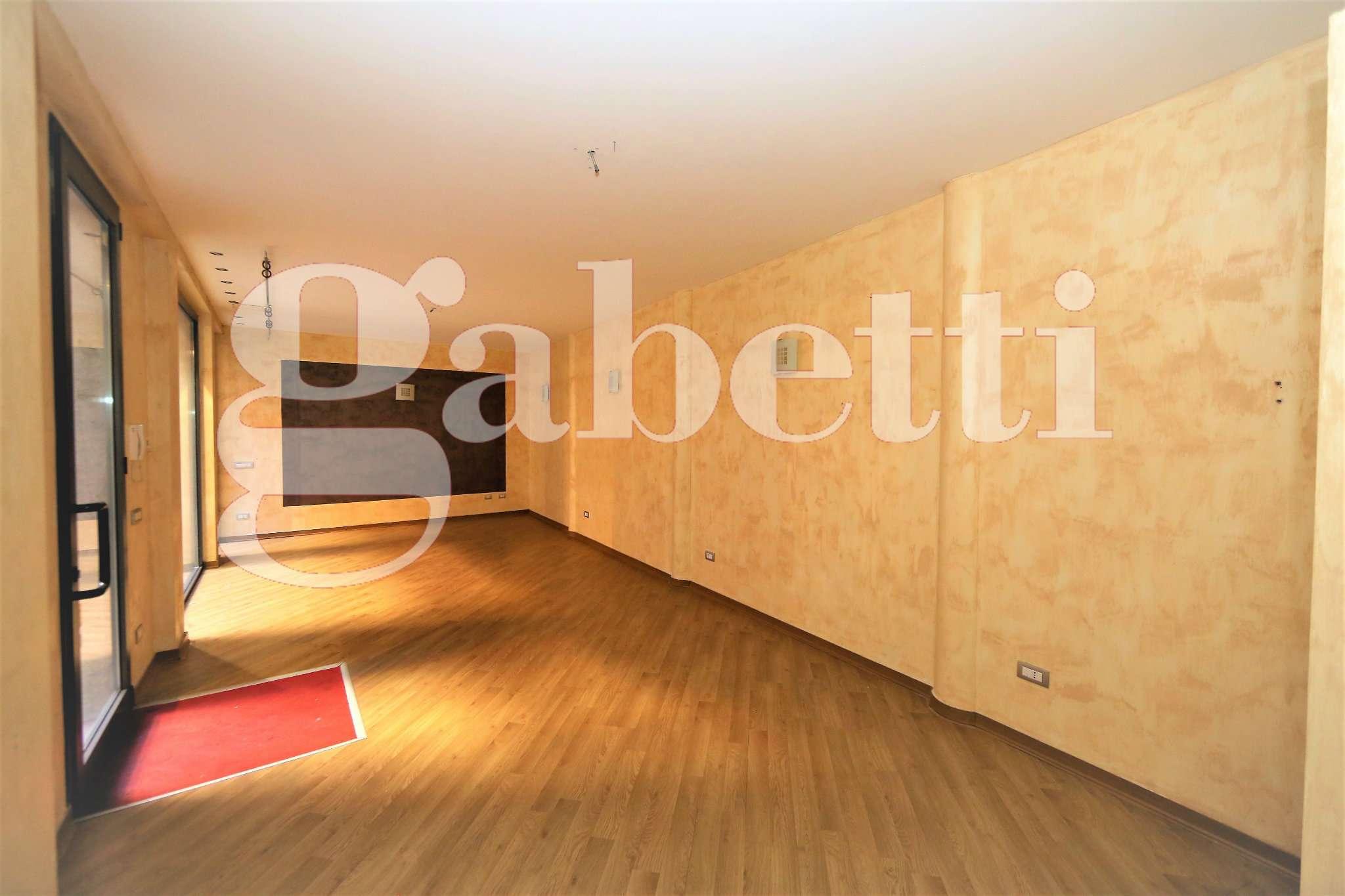 Negozio / Locale in affitto a Gallarate, 1 locali, prezzo € 690 | CambioCasa.it