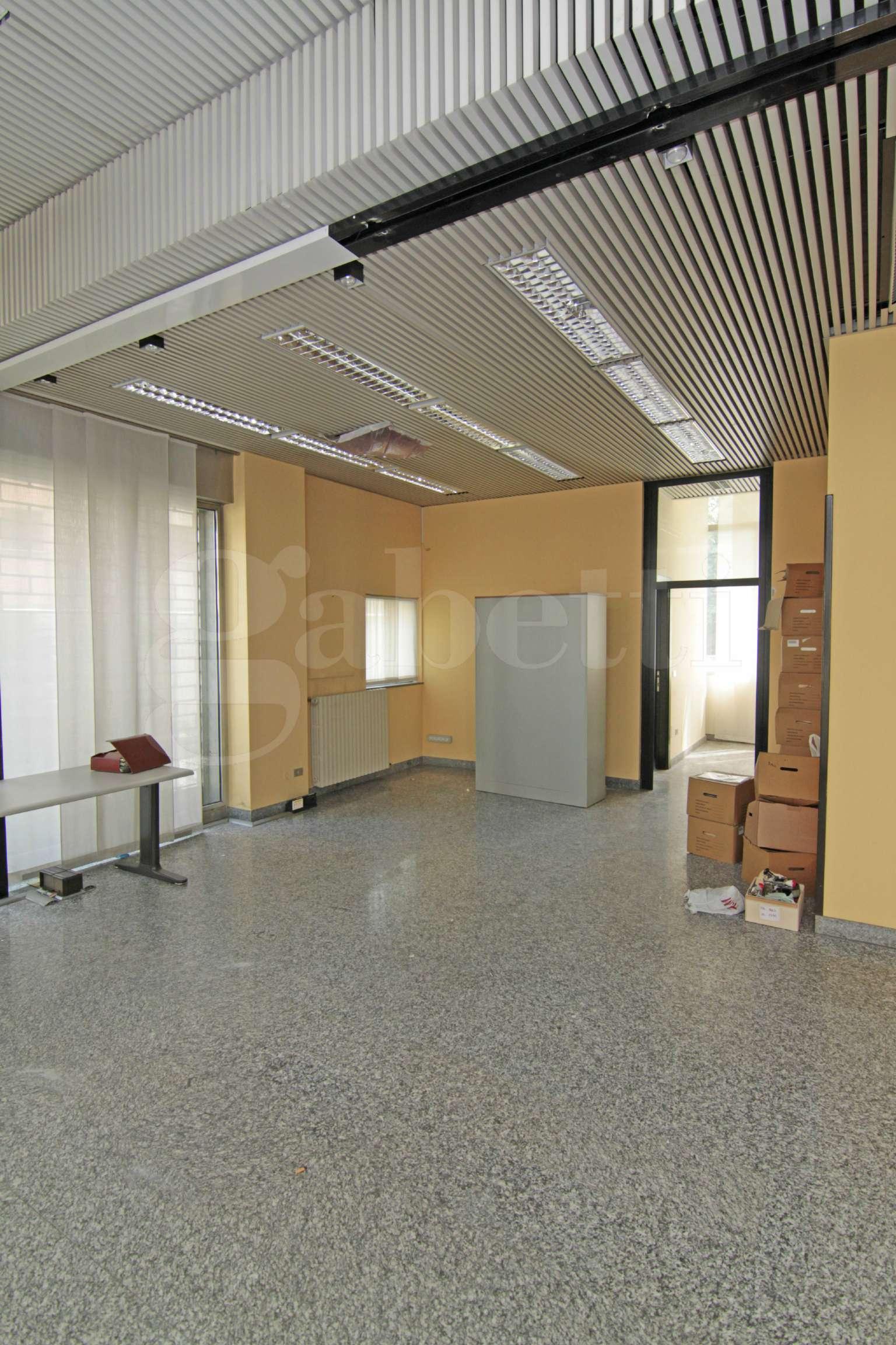 Negozio / Locale in vendita a Busto Arsizio, 10 locali, prezzo € 337.000 | CambioCasa.it