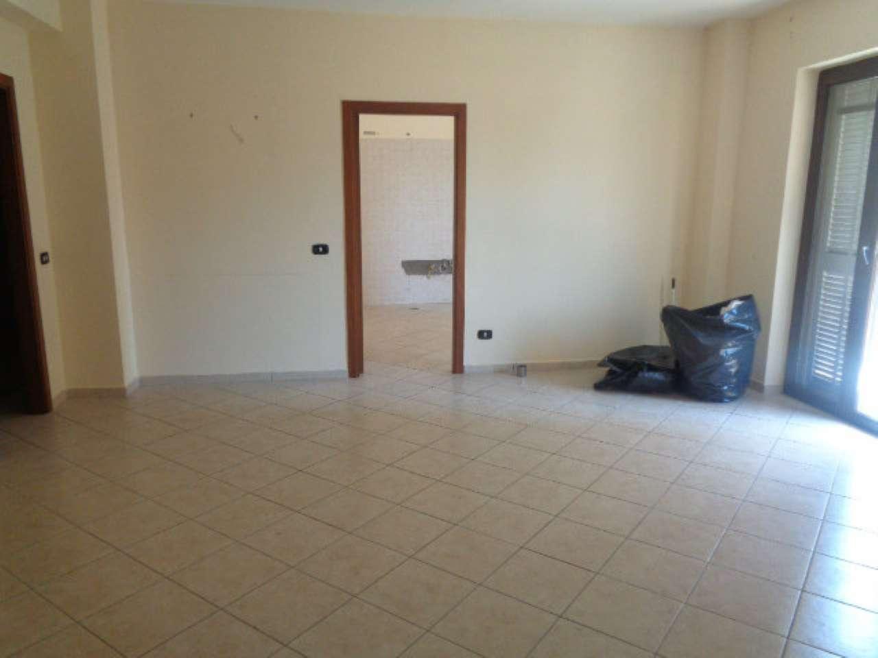 Appartamento in affitto a Villaricca, 4 locali, prezzo € 550   CambioCasa.it