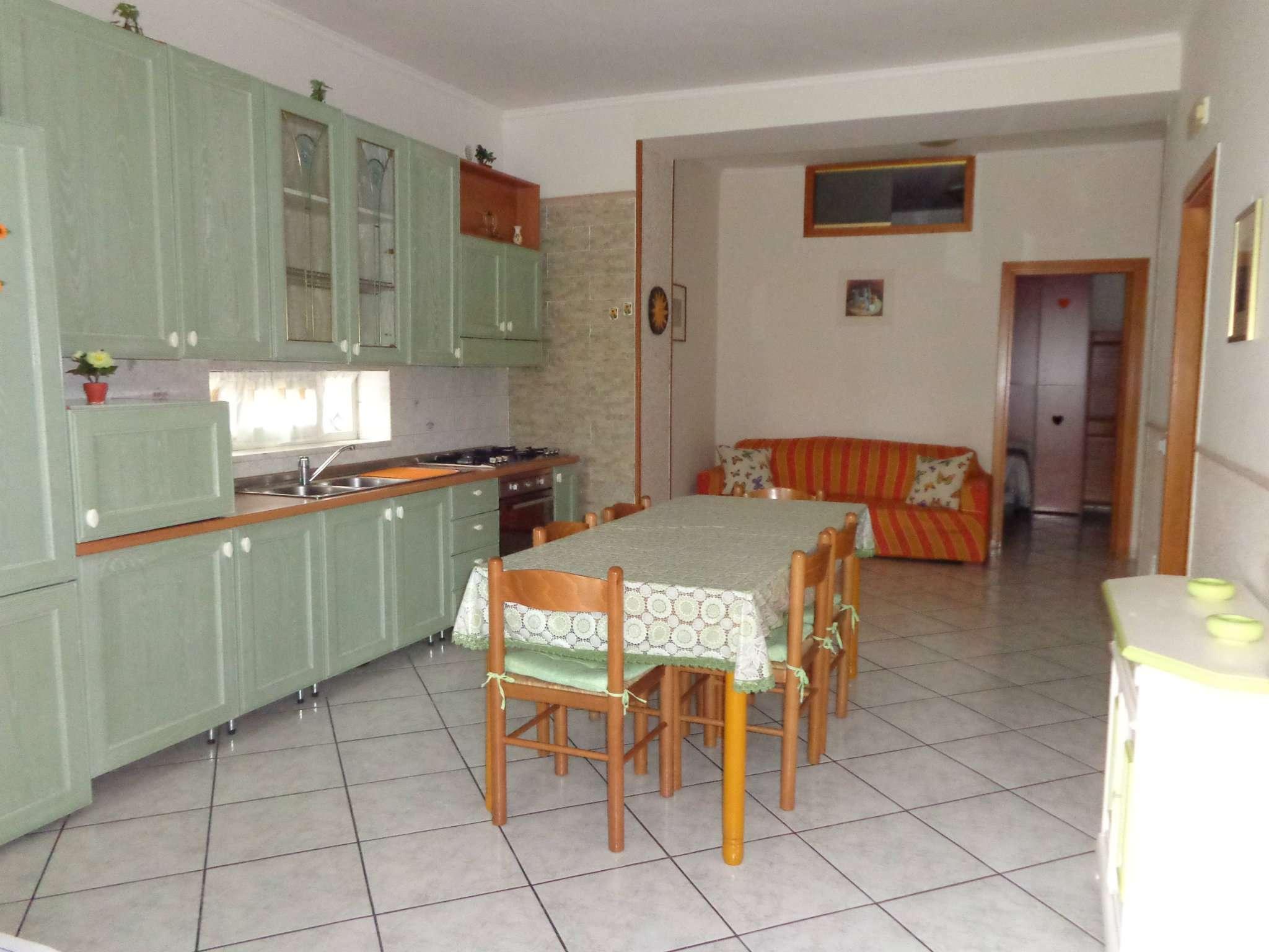 Appartamento in ottime condizioni arredato in affitto Rif. 7284043