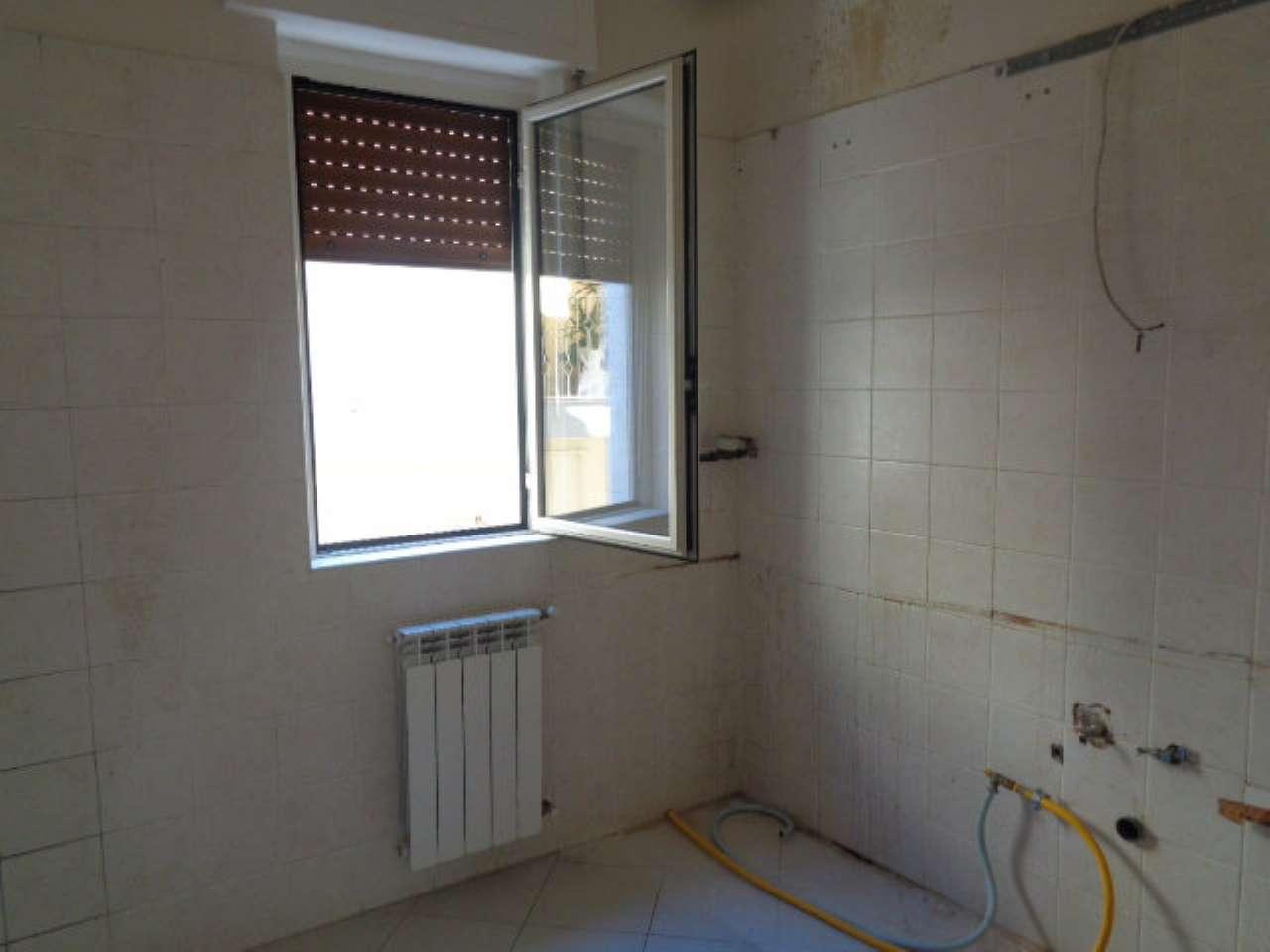 Appartamento in buone condizioni in affitto Rif. 8065819