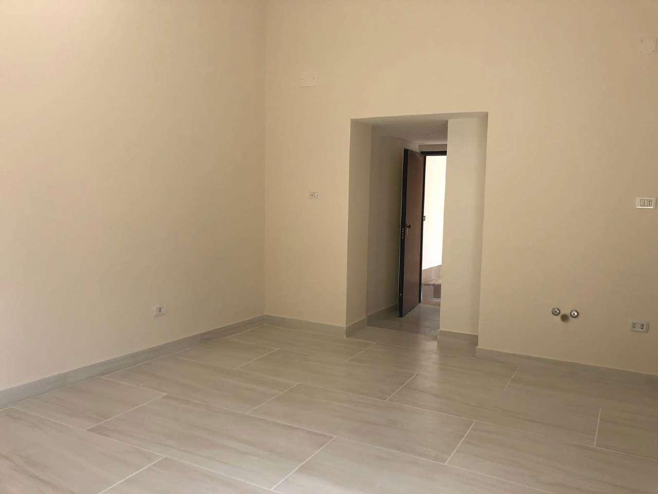 Appartamento ristrutturato in affitto Rif. 8563843