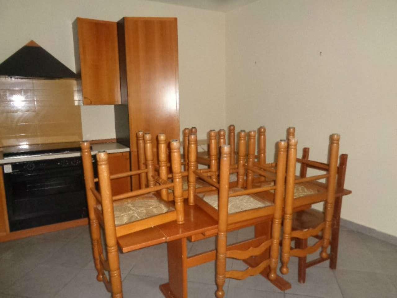 Appartamento in buone condizioni arredato in affitto Rif. 8551273