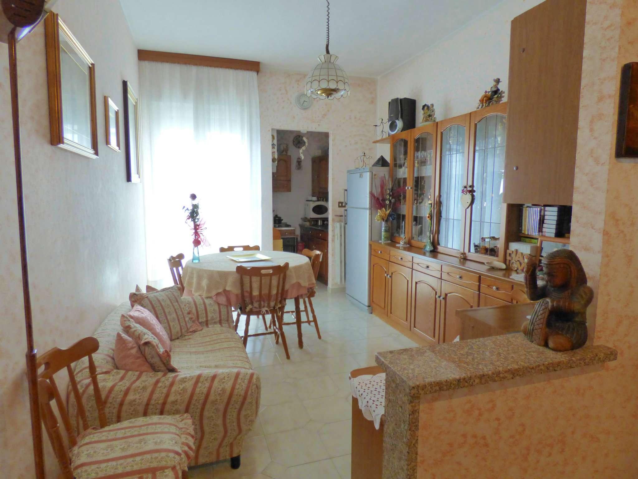 Appartamento in vendita a Borgaro Torinese, 3 locali, prezzo € 98.000   CambioCasa.it