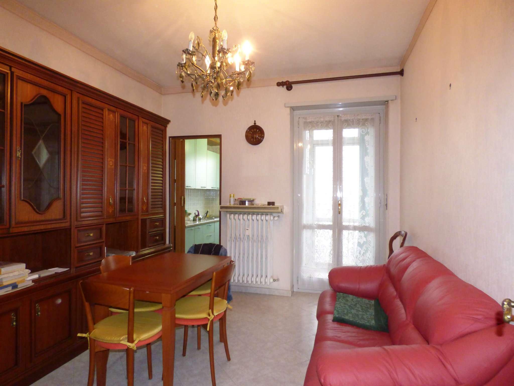 Appartamento in ottime condizioni in vendita Rif. 6830089