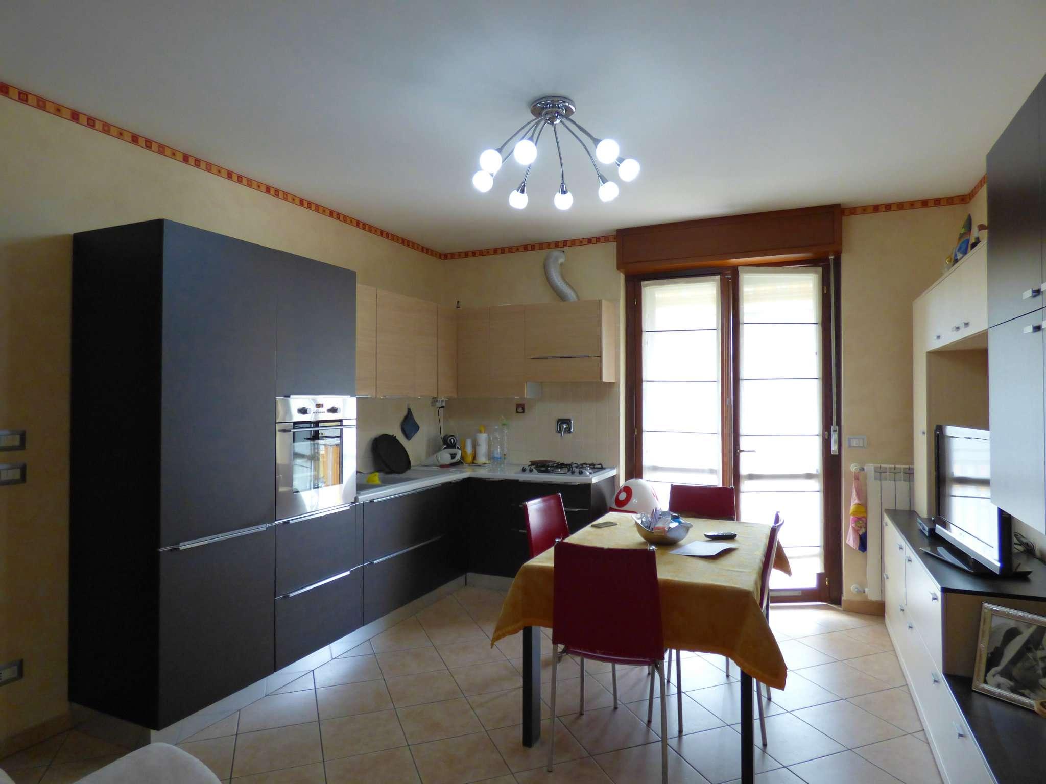 Appartamento in ottime condizioni in vendita Rif. 7004764