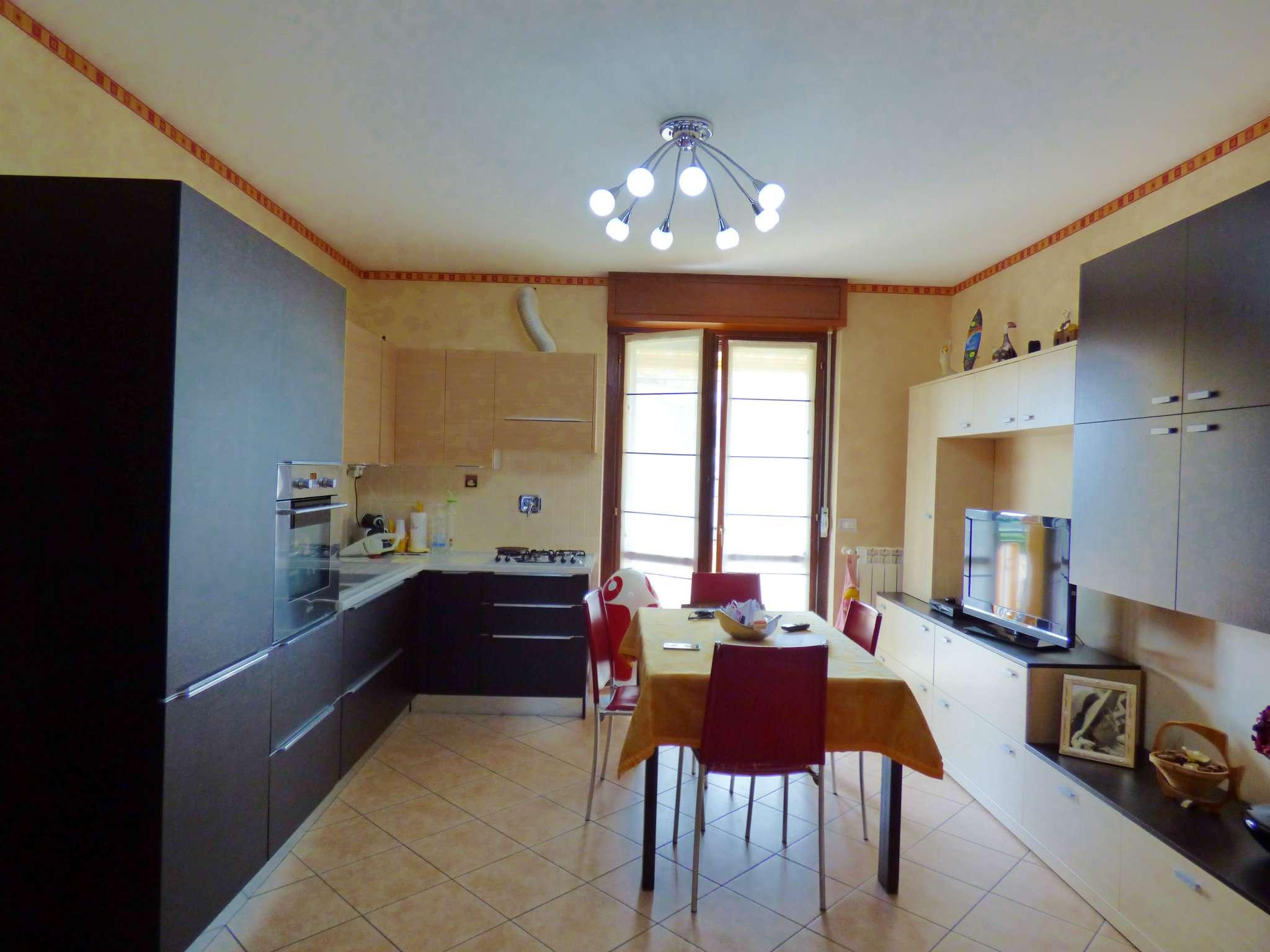 Appartamento in vendita a Borgaro Torinese, 3 locali, prezzo € 158.000   CambioCasa.it