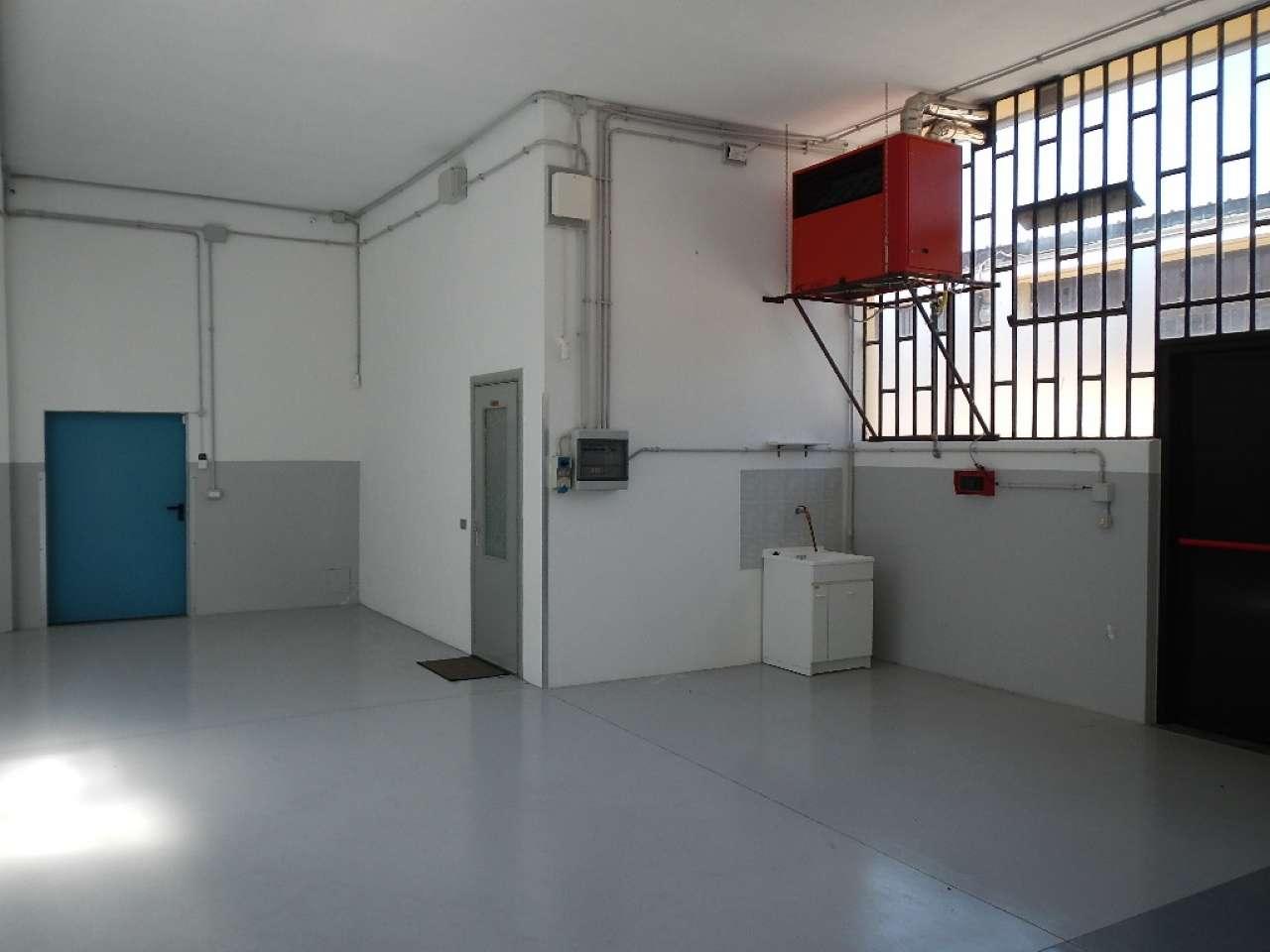 Laboratorio in affitto a Borgaro Torinese, 2 locali, prezzo € 990   CambioCasa.it