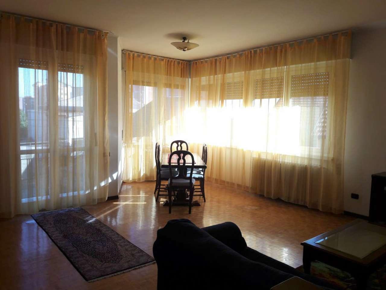 Appartamento in buone condizioni arredato in affitto Rif. 7045377